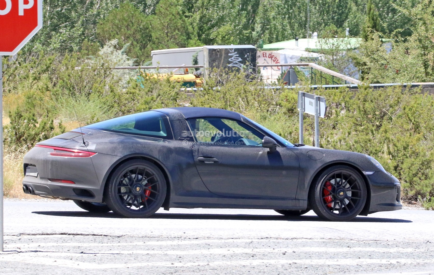 2017 Porsche 911 Targa GTS Revealed in Spyshots with Black Roof Bar on 2017 porsche boxster, 2017 porsche gt3, 2017 ford gt targa, 2017 porsche cayman, 2017 porsche cayenne,