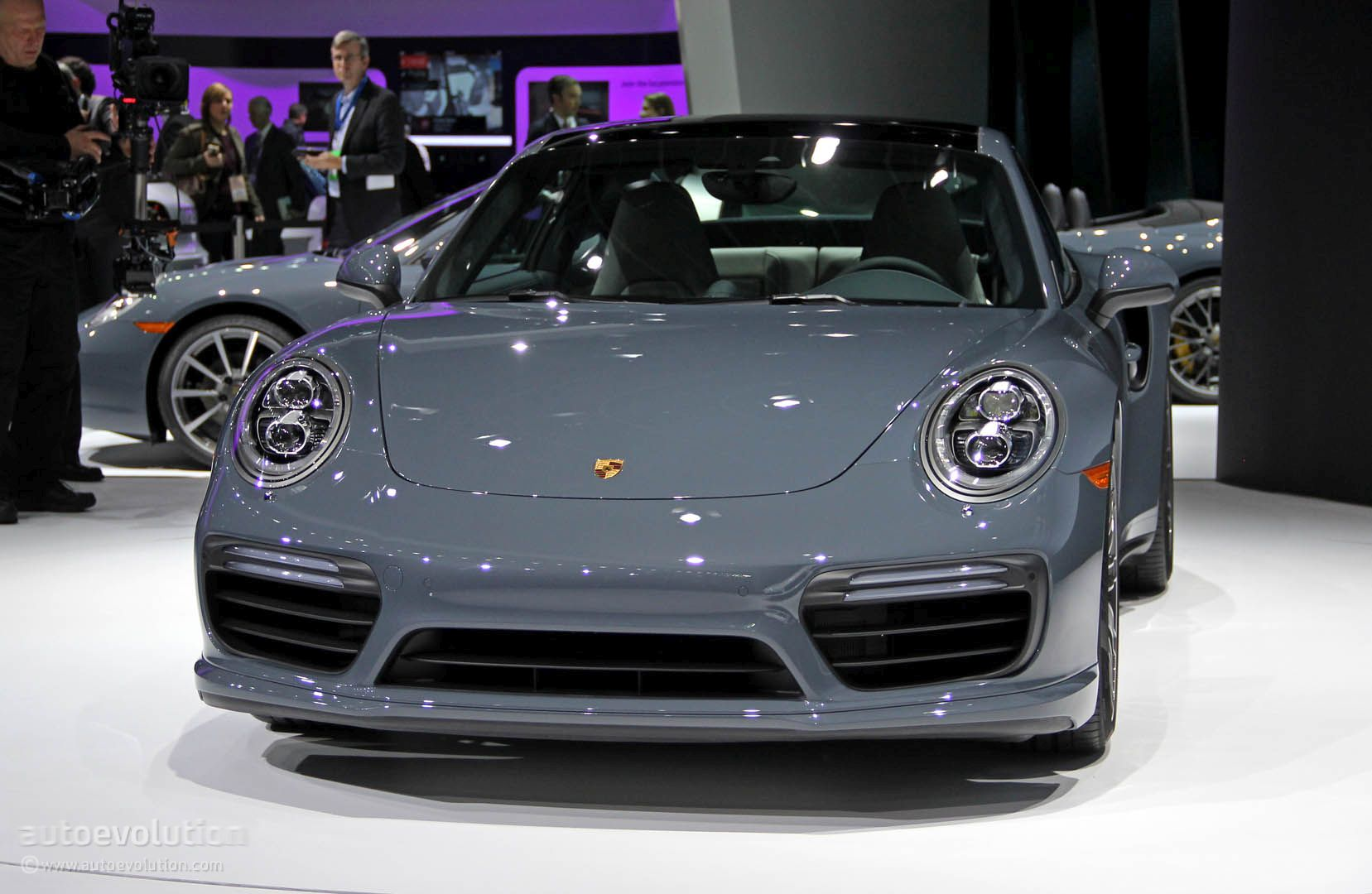 2017 porsche 911 turbo turbo s bring their anti lag tech wizardry to detroit autoevolution. Black Bedroom Furniture Sets. Home Design Ideas