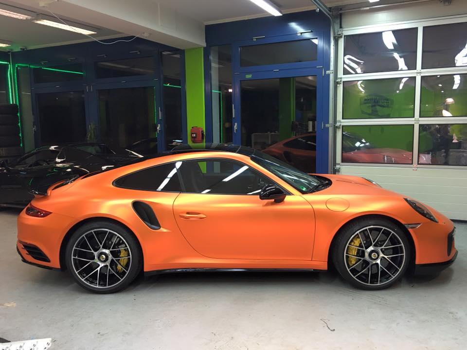 2017 porsche 911 turbo s facelift gets pearlescent matte lava orange qu. Black Bedroom Furniture Sets. Home Design Ideas