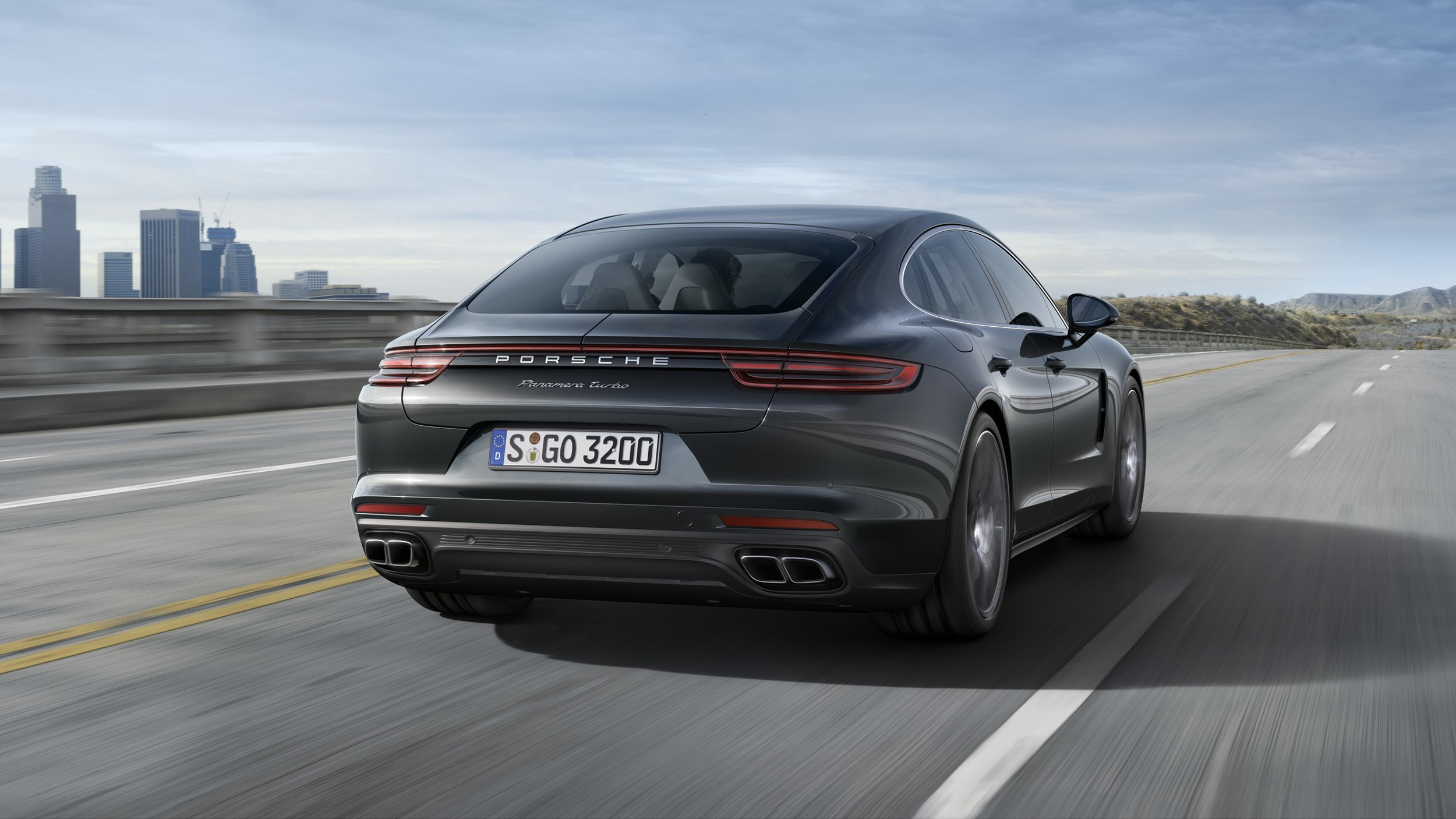 2017 porsche panamera finally stands for the four door 911 we 39 ve always wanted autoevolution. Black Bedroom Furniture Sets. Home Design Ideas