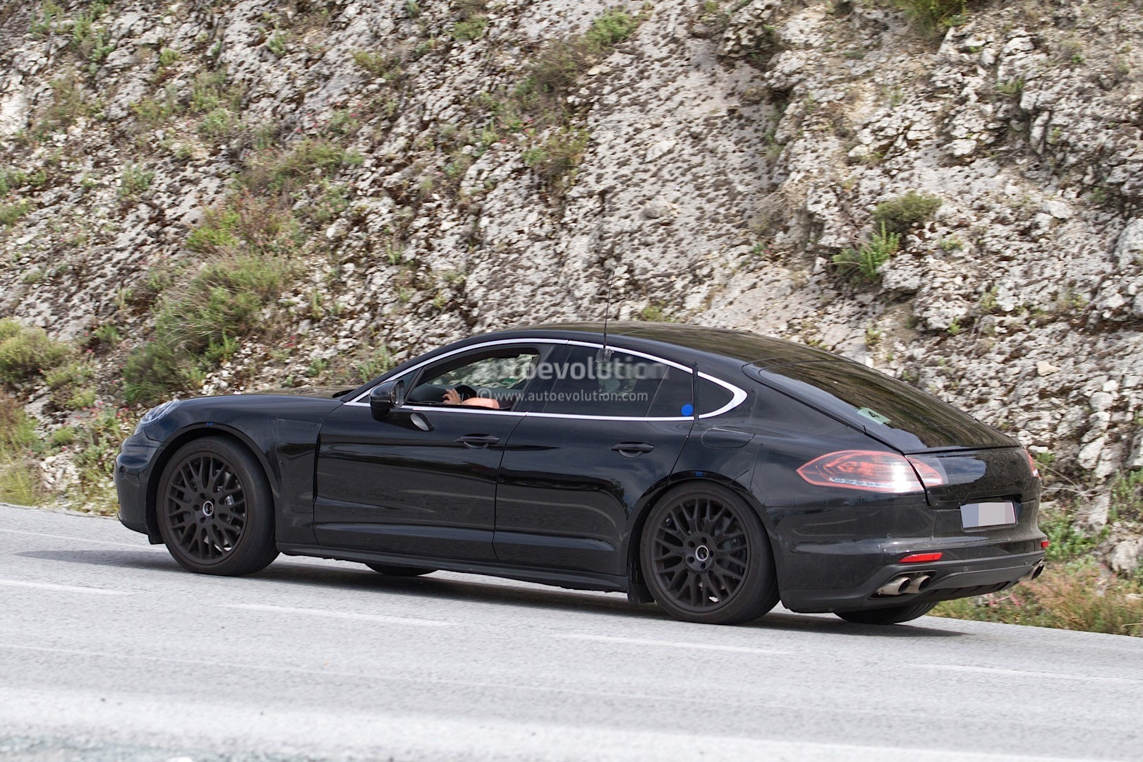 2017 porsche panamera spied for the first time in hybrid. Black Bedroom Furniture Sets. Home Design Ideas