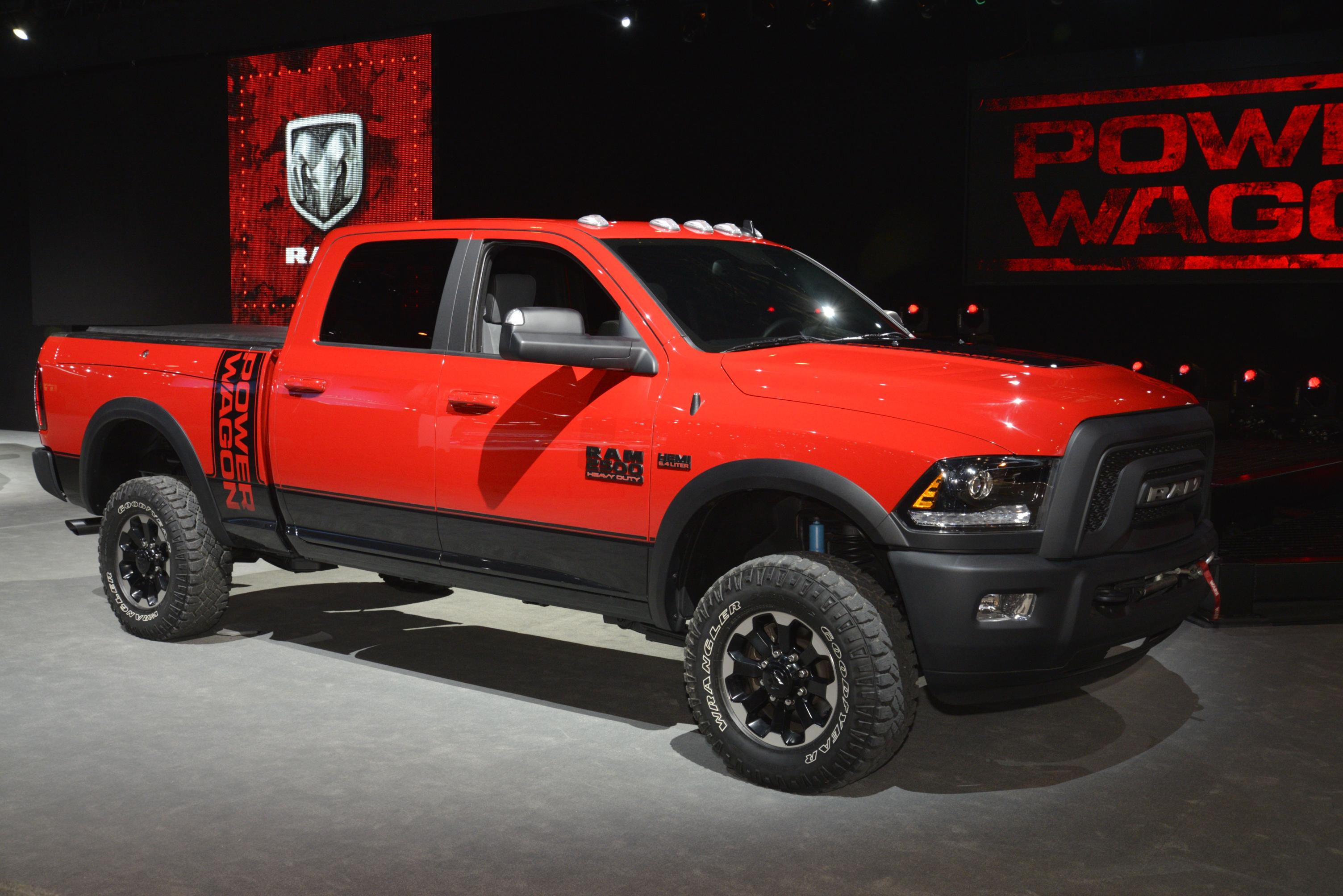 2017 Ram 2500 Power Wagon Demos Its Macho Suspension Articulation in Chicago - autoevolution