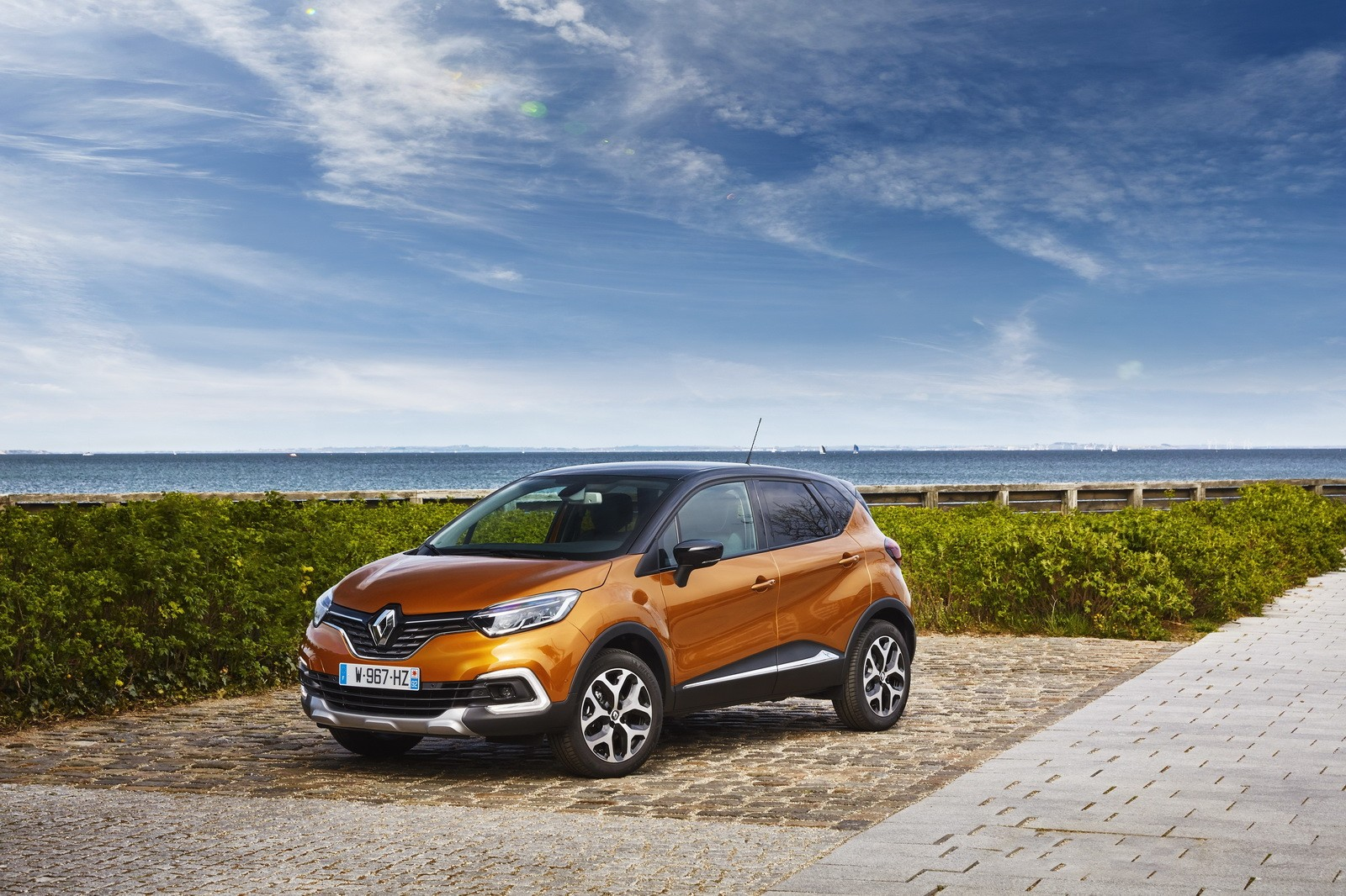 2017 renault captur facelift gets extensive photo gallery and new videos autoevolution. Black Bedroom Furniture Sets. Home Design Ideas
