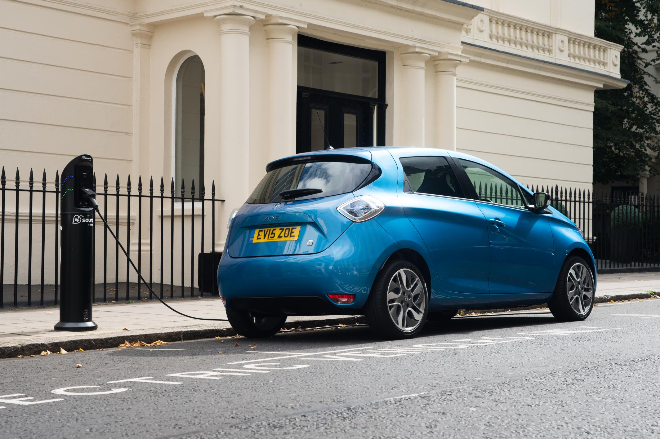 2017 Renault Zoe Z E 40 Uk Pricing And Specifications
