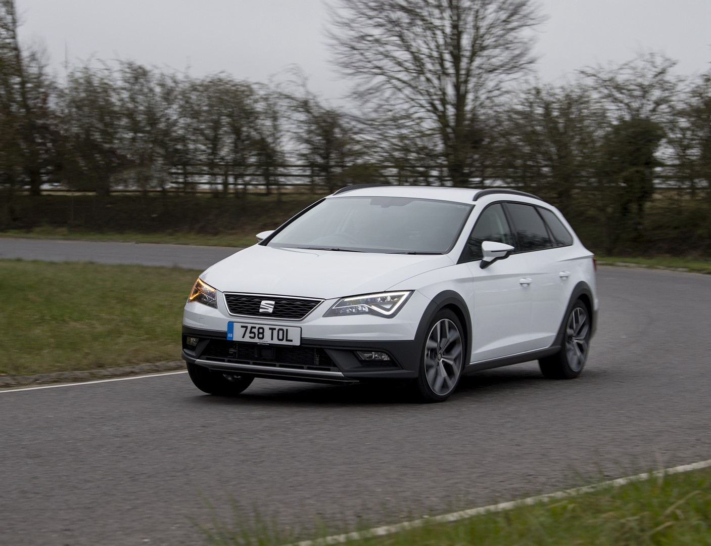 2017 seat leon x perience facelift detailed in new photos. Black Bedroom Furniture Sets. Home Design Ideas