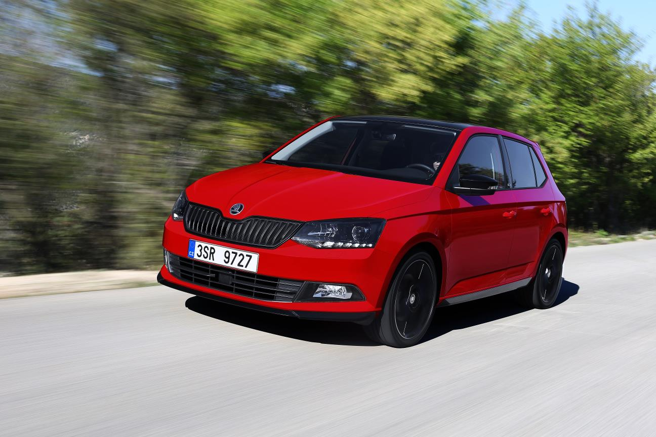 2017 skoda fabia updated with 1 0 tsi 3 cylinder turbo. Black Bedroom Furniture Sets. Home Design Ideas