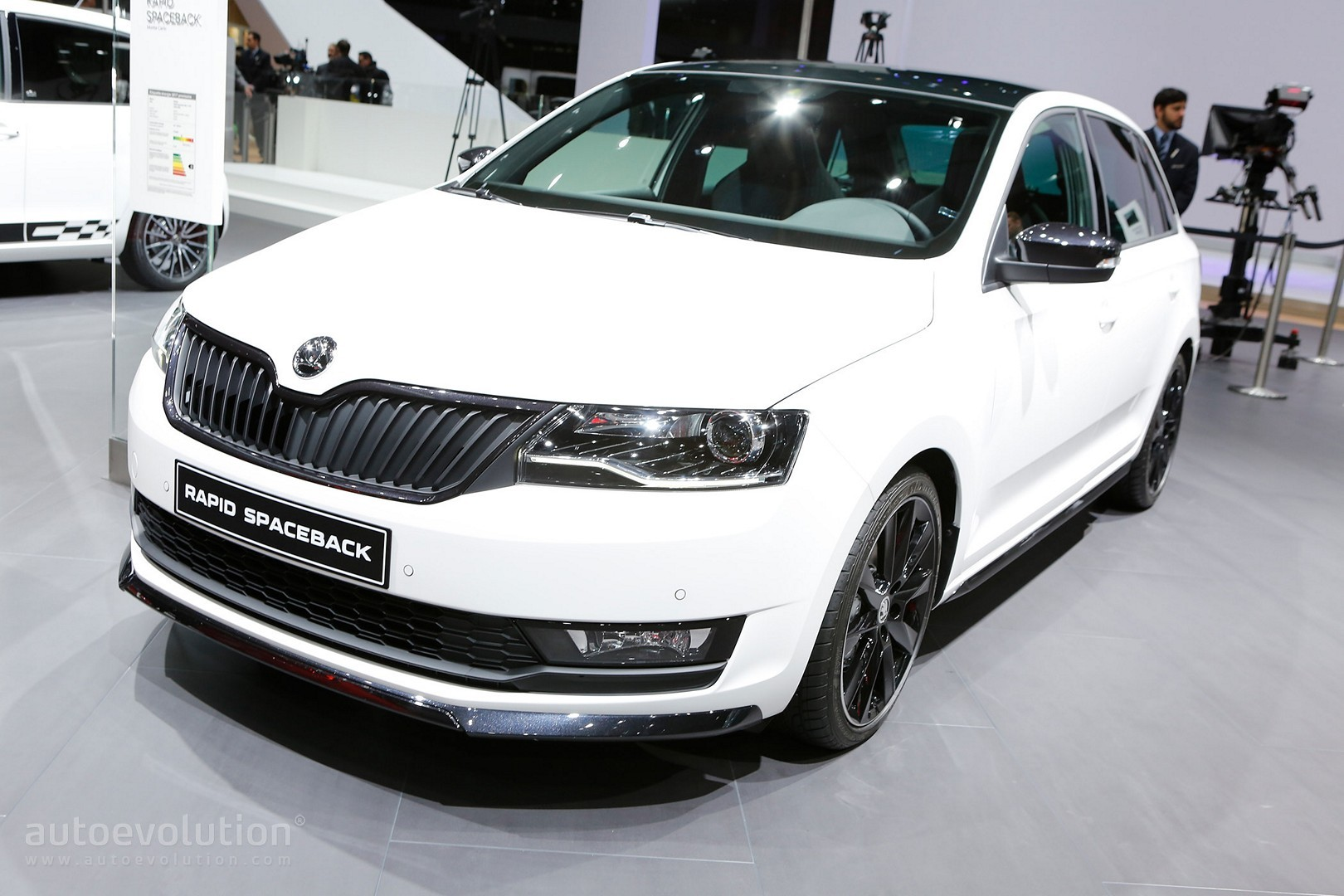 2017 skoda rapid sports new design details and 1 0 tsi engine in geneva autoevolution. Black Bedroom Furniture Sets. Home Design Ideas