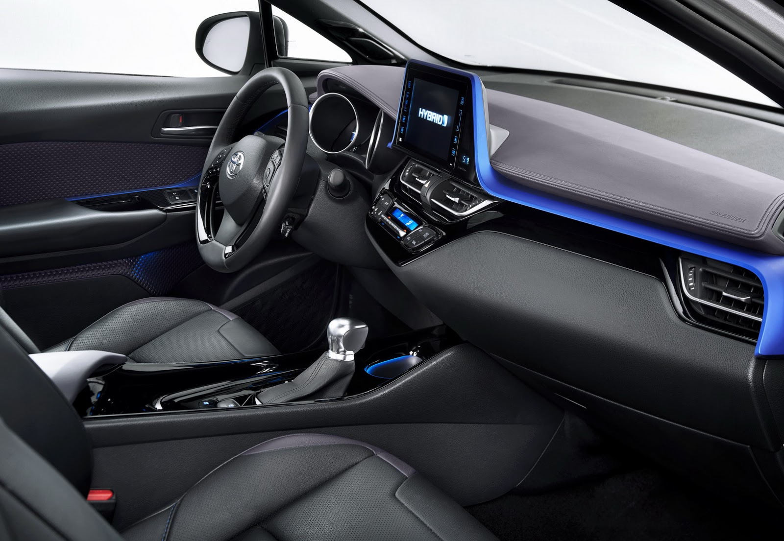 2017 toyota c hr interior design unveiled autoevolution for Hr design interiors