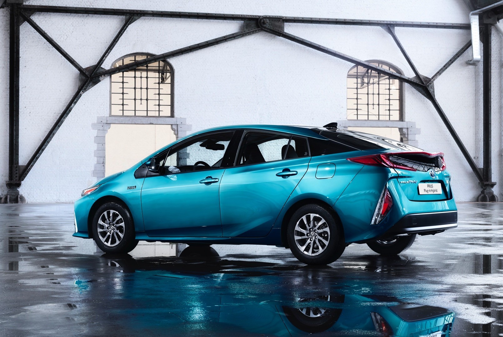 2017 Toyota Prius Plug-in Hybrid Gets Different Name For Europe  Adds Solar Roof