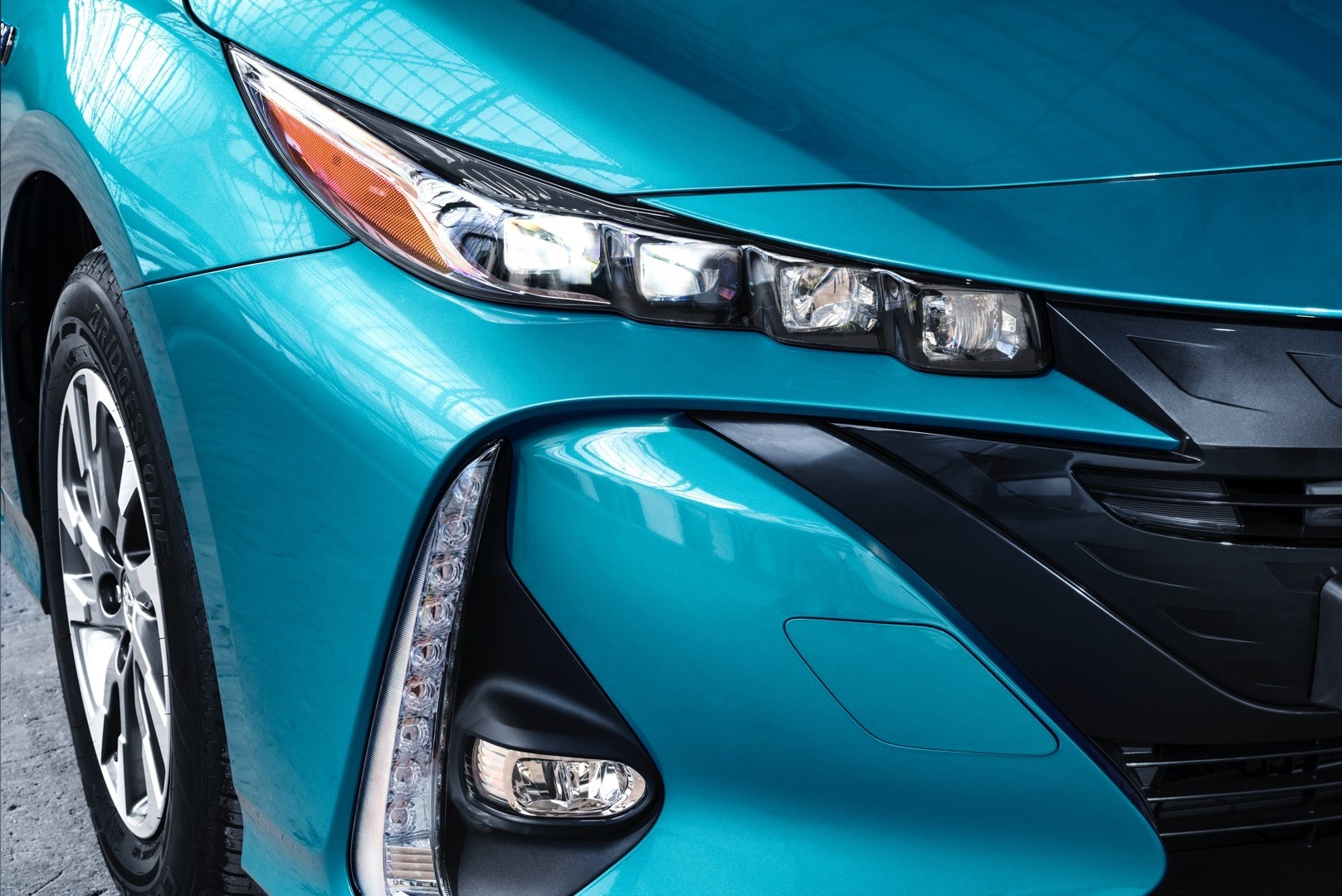 Toyota Prius Plug In Hybrid Gets Different Name For Europe Adds Solar Roof on Toyota Prius Hybrid Battery