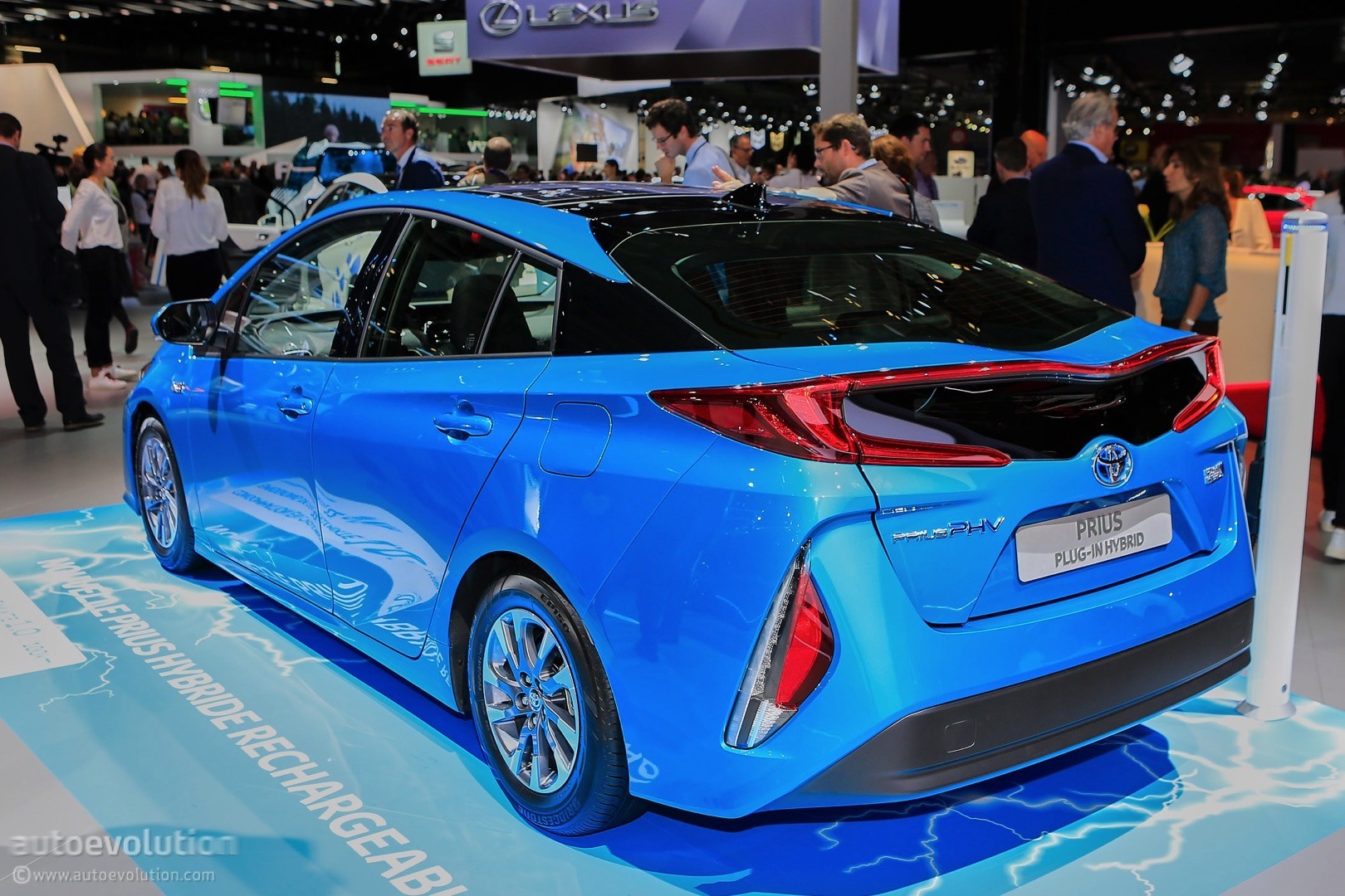 2017 Toyota Prius Phv Prime Plug In Hybrid Live At 2016 Paris