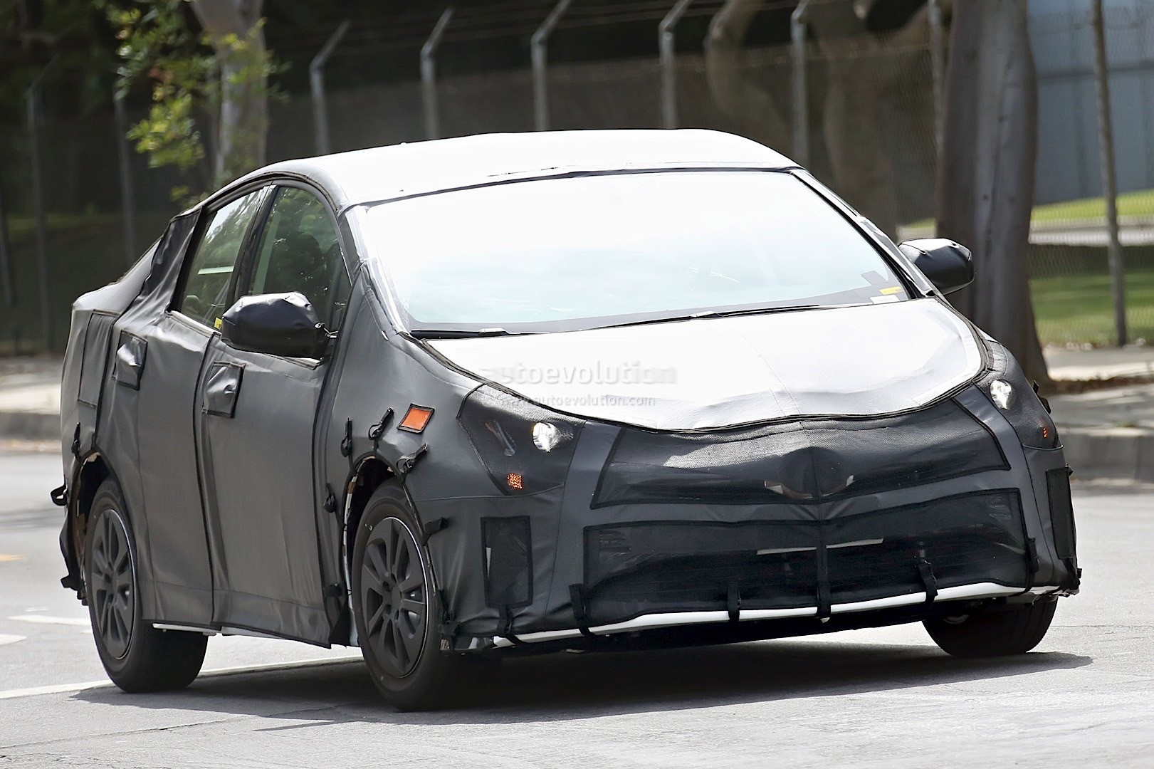2017 Toyota Prius Reveals Interior Configuration In Latest