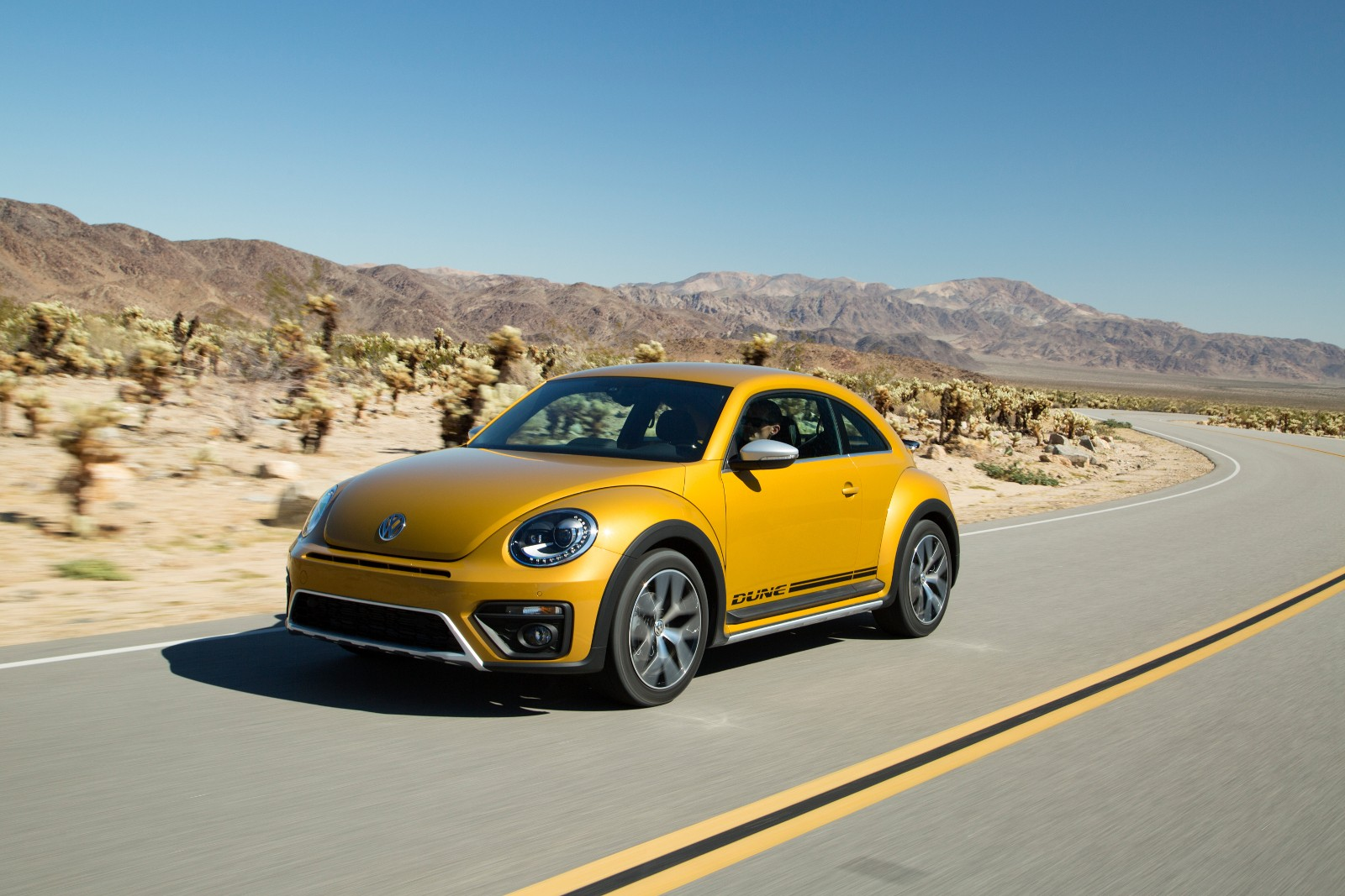 2017 Volkswagen Beetle Dune Revealed at LA Auto Show ...