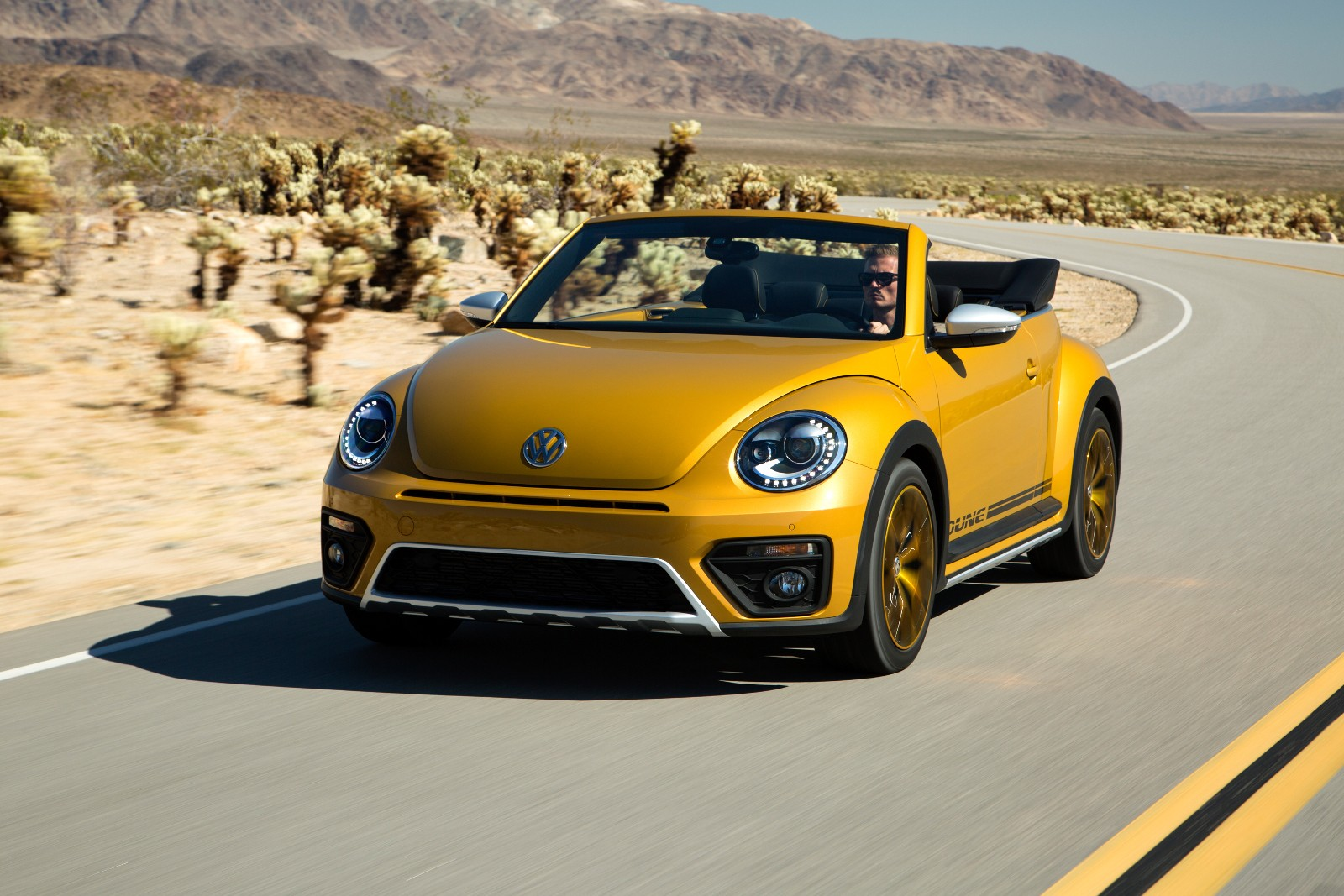 2017 Volkswagen Beetle Dune Coupe And Cabriolet
