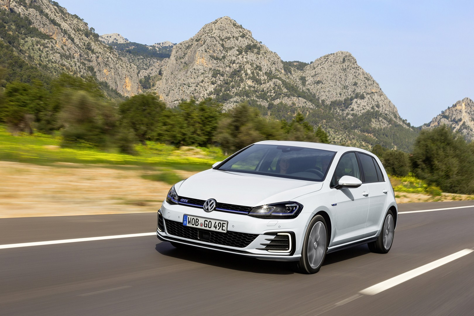 2017 Volkswagen E Golf And Gte