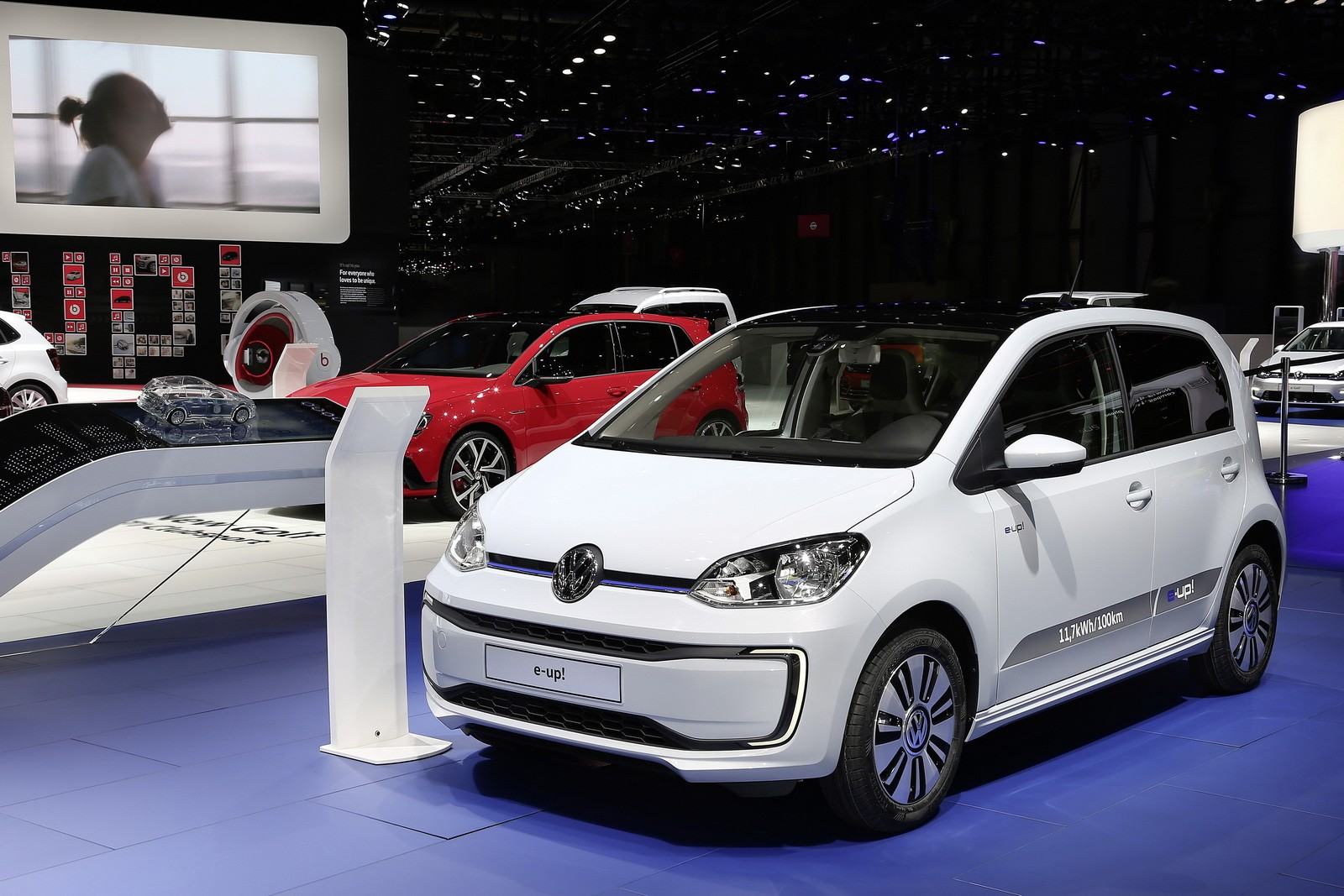 2017 volkswagen e up has minor updates and price decrease in germany autoevolution. Black Bedroom Furniture Sets. Home Design Ideas