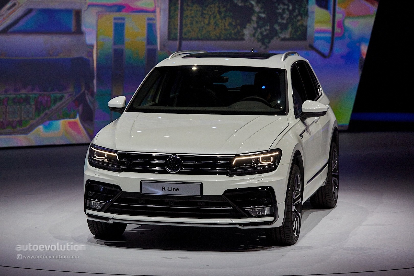 2017 volkswagen tiguan is all grown up in frankfurt autoevolution