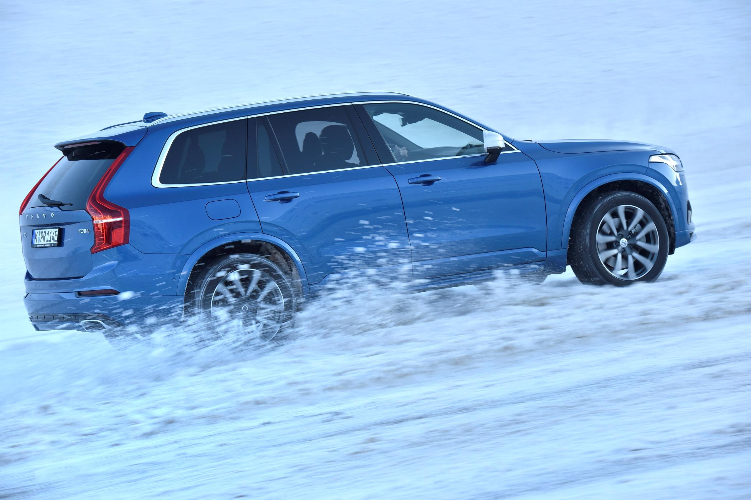 2017 Volvo Updates: XC90 D5 PowerPulse, T5 AWD, S60 Cross Country D3 - autoevolution
