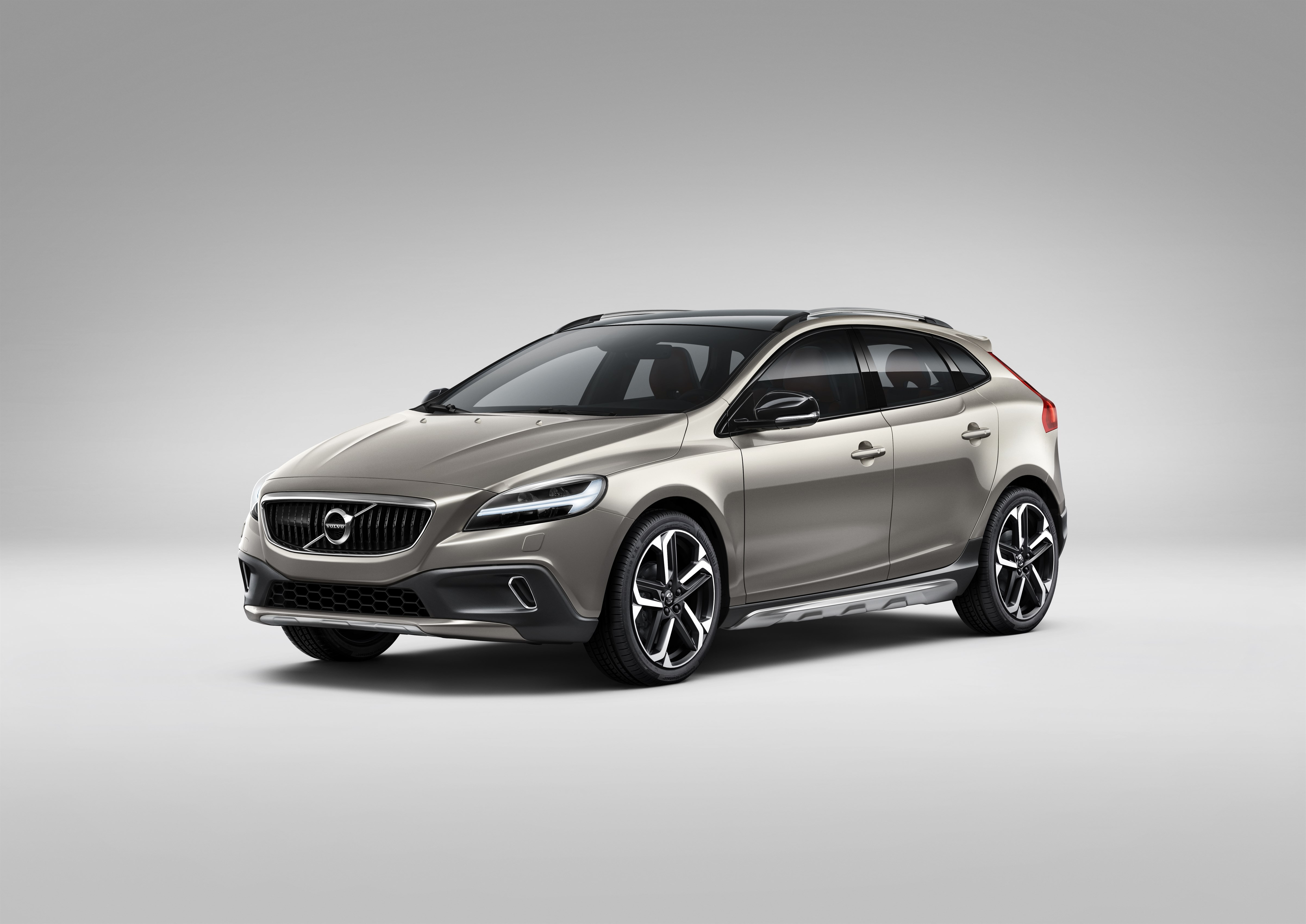 2017 Volvo V40 Cross Country New Engines: 1.5L T3 and 2.0L ...