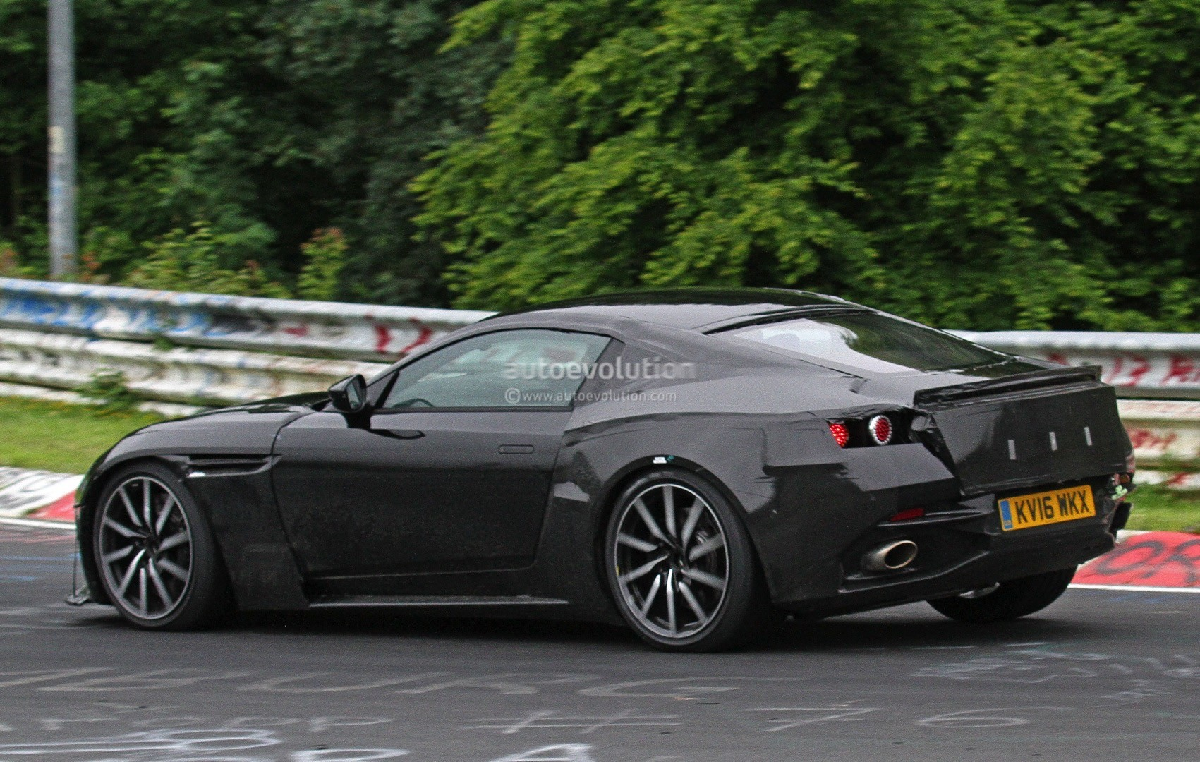 2018 Aston Martin V8 Vantage Spied, Has Mercedes-AMG M178 ...