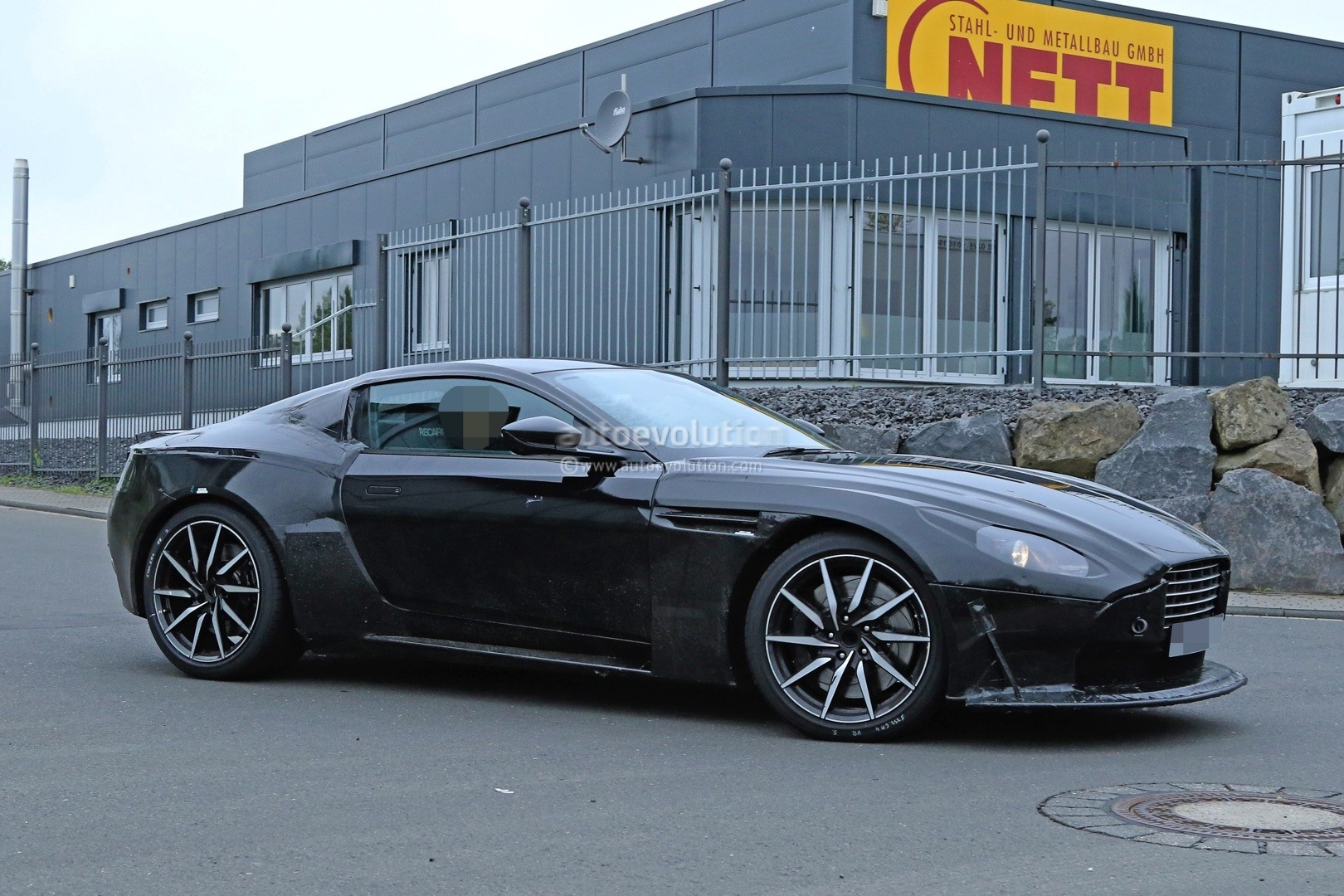2018 aston martin v8 vantage spied has mercedes amg m178 4 0 twin turbo v8 autoevolution. Black Bedroom Furniture Sets. Home Design Ideas