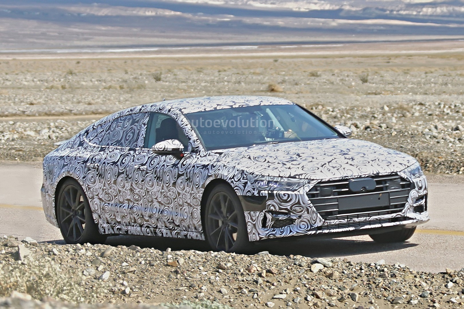2018 audi a7 detailed spy photos reveal it could be electric or hydrogen powered autoevolution. Black Bedroom Furniture Sets. Home Design Ideas