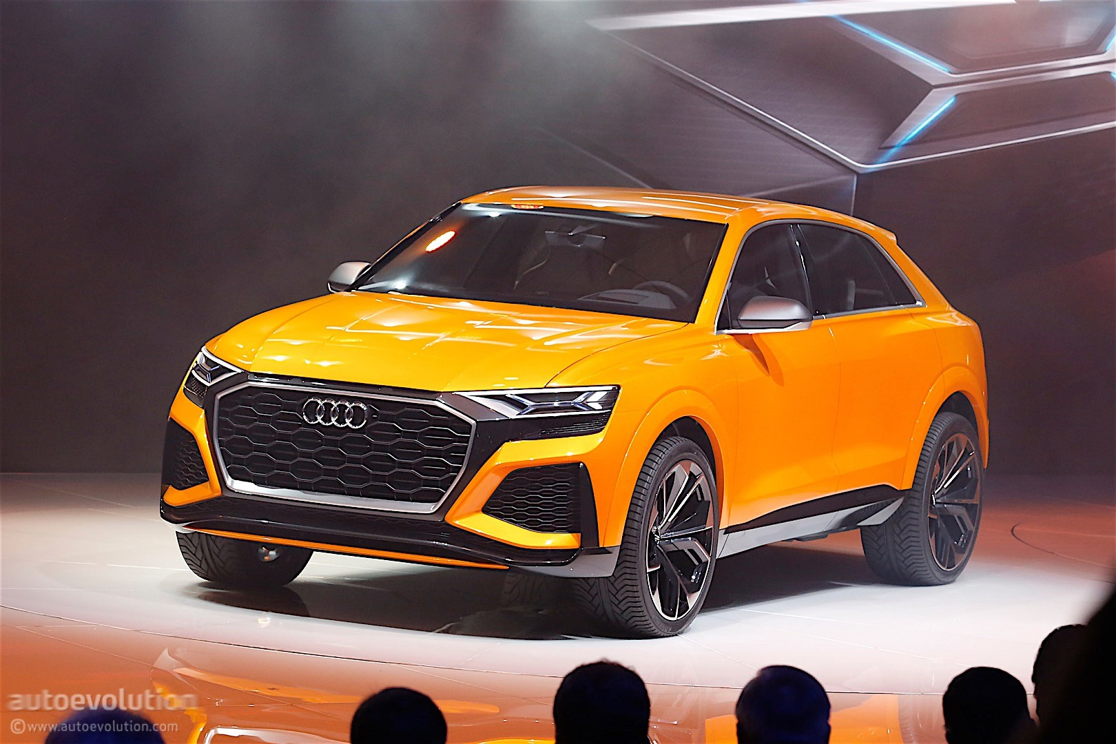 2018 audi q8 rendered as production car with showroom audi grille looks amazing autoevolution. Black Bedroom Furniture Sets. Home Design Ideas