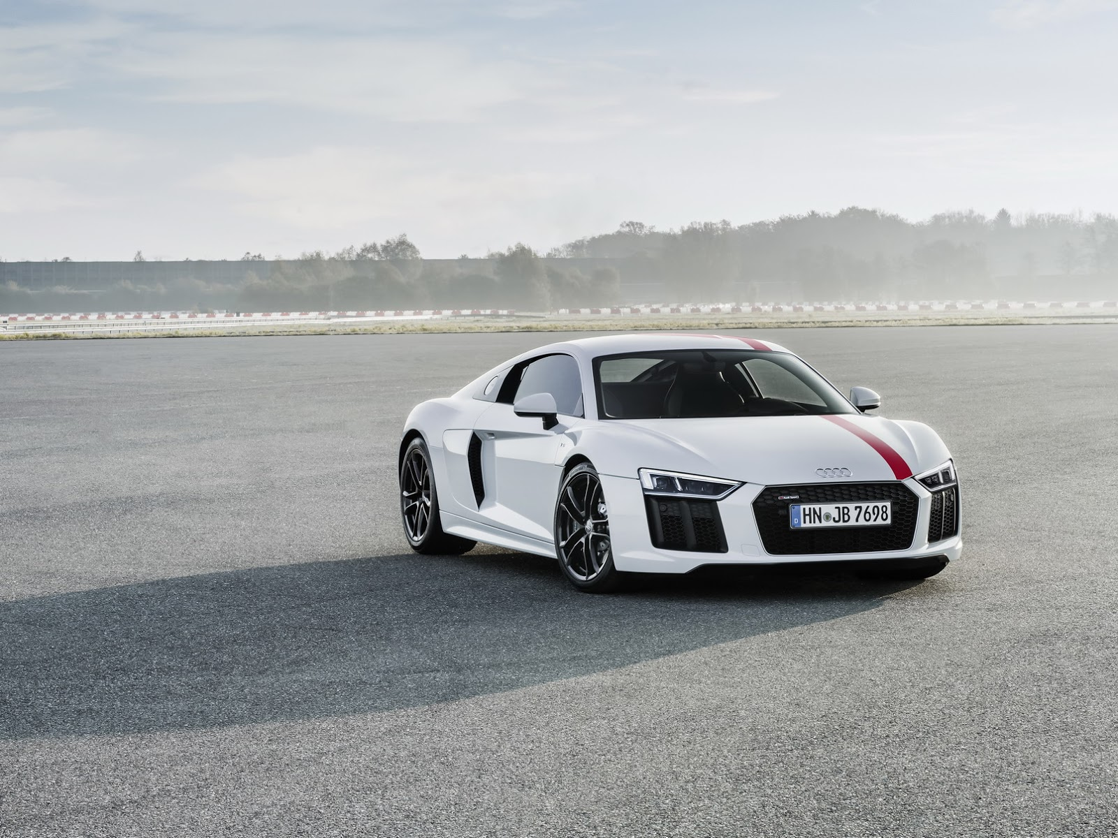 2018 audi r8 rws tries to tempt drivers with rwd at. Black Bedroom Furniture Sets. Home Design Ideas