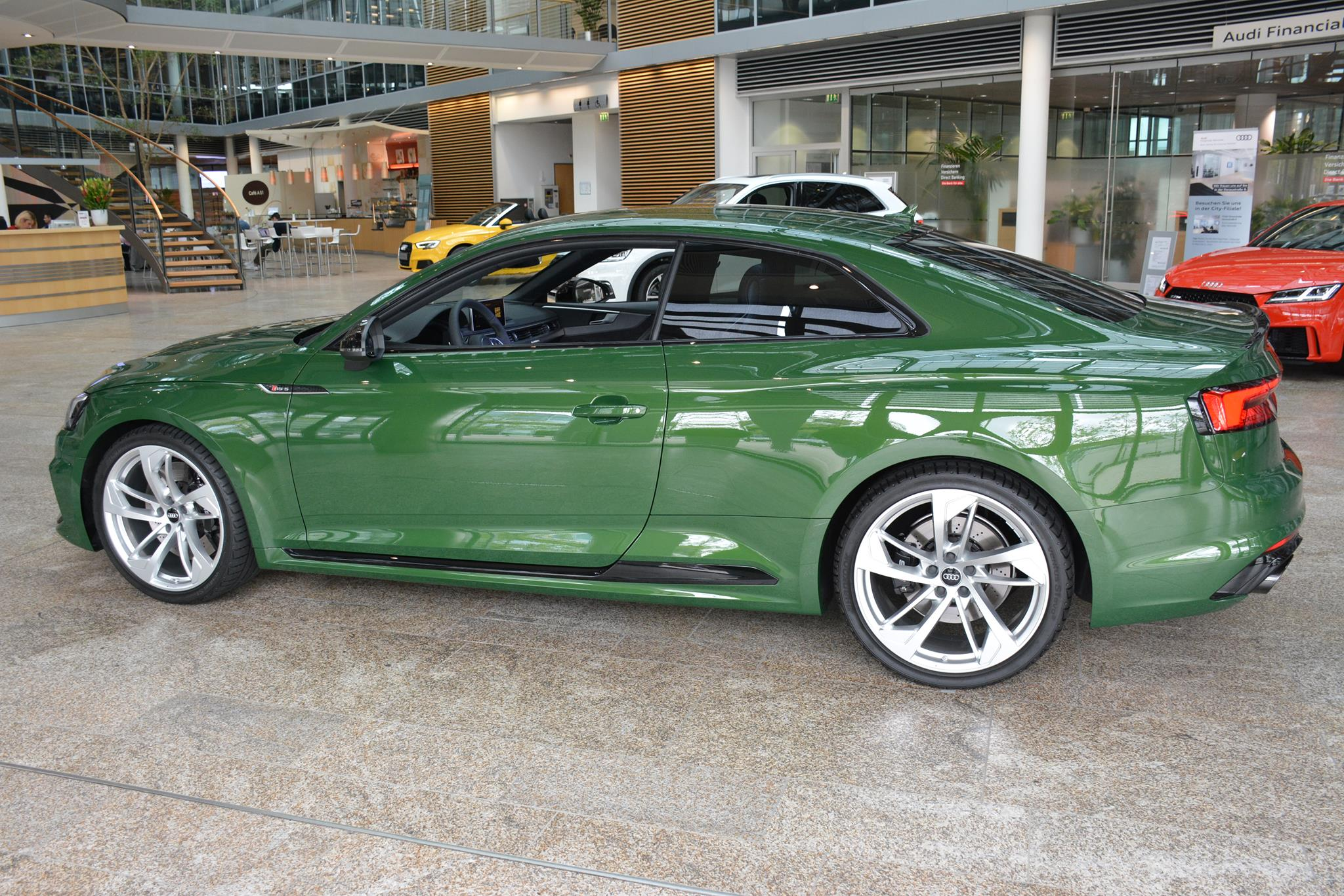 2018 audi rs5 coupe in sonoma green spotted at audi forum ingolstadt autoevolution. Black Bedroom Furniture Sets. Home Design Ideas