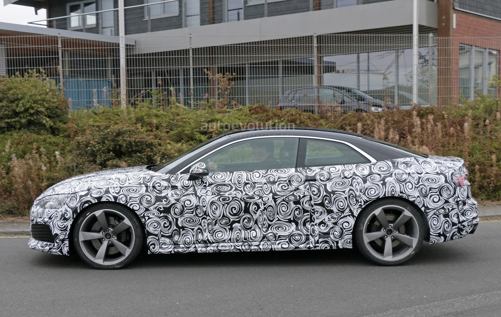 2016 - [Audi] A5 Coupé, Cabriolet et Sportback - Page 13 2018-audi-rs5-coupe-spied-with-production-body-for-the-first-time_16