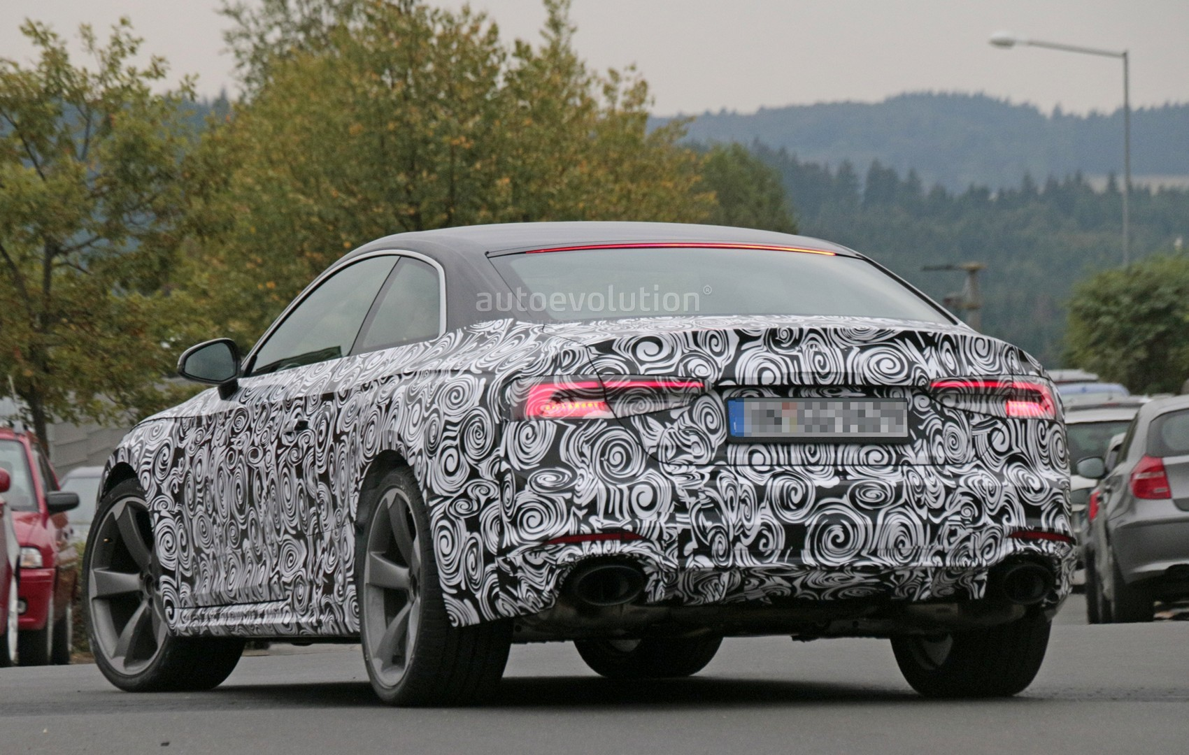 2016 - [Audi] A5 Coupé, Cabriolet et Sportback - Page 13 2018-audi-rs5-coupe-spied-with-production-body-for-the-first-time_17