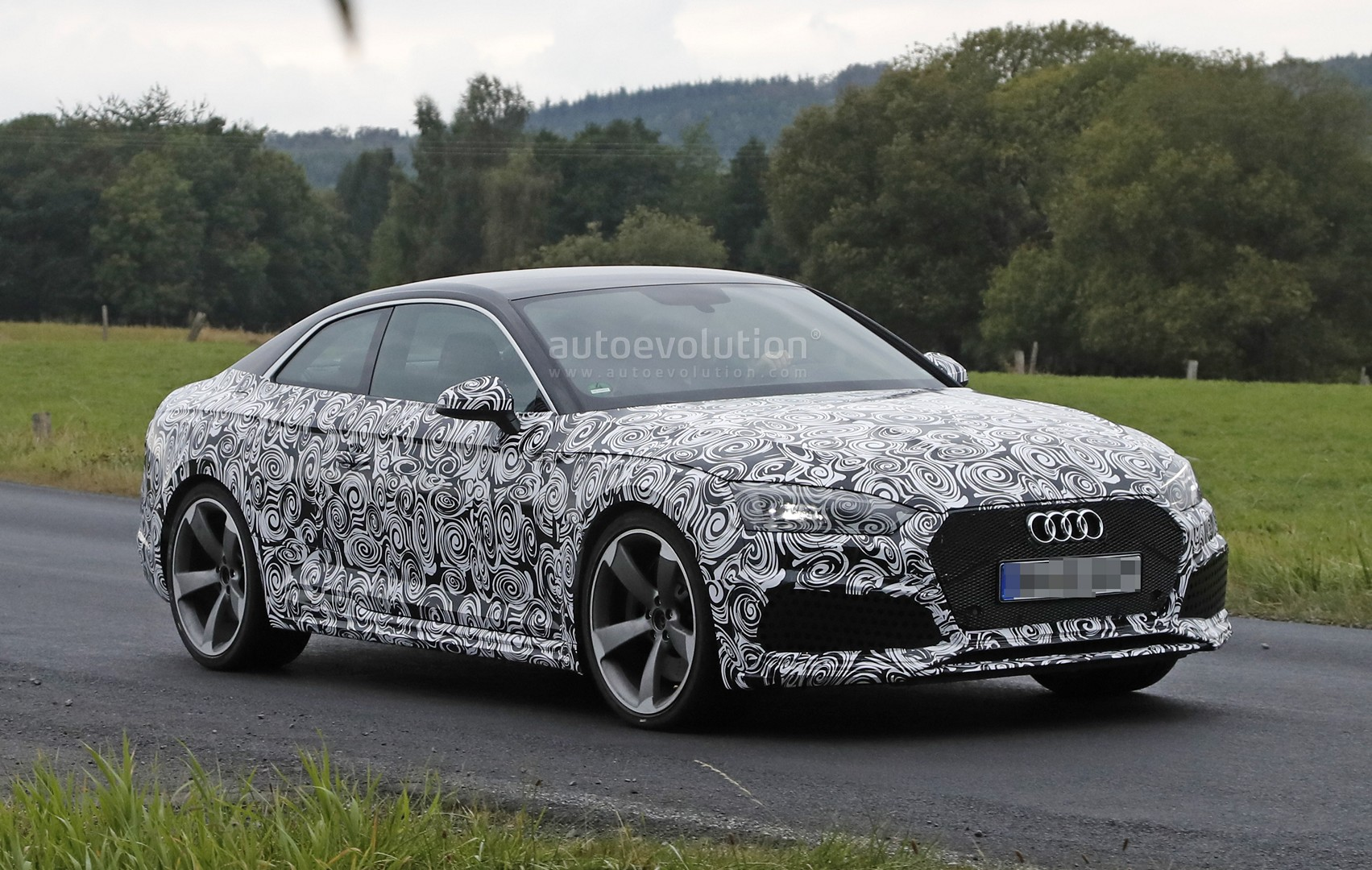 2018 audi rs5 coupe spied with production body for the. Black Bedroom Furniture Sets. Home Design Ideas