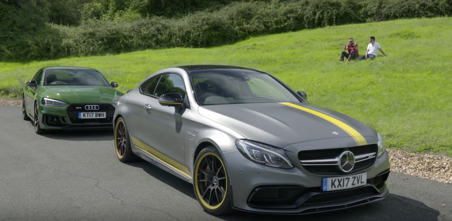 this 2018 audi rs5 vs mercedes amg c63 coupe comparison has awesome jumps autoevolution. Black Bedroom Furniture Sets. Home Design Ideas