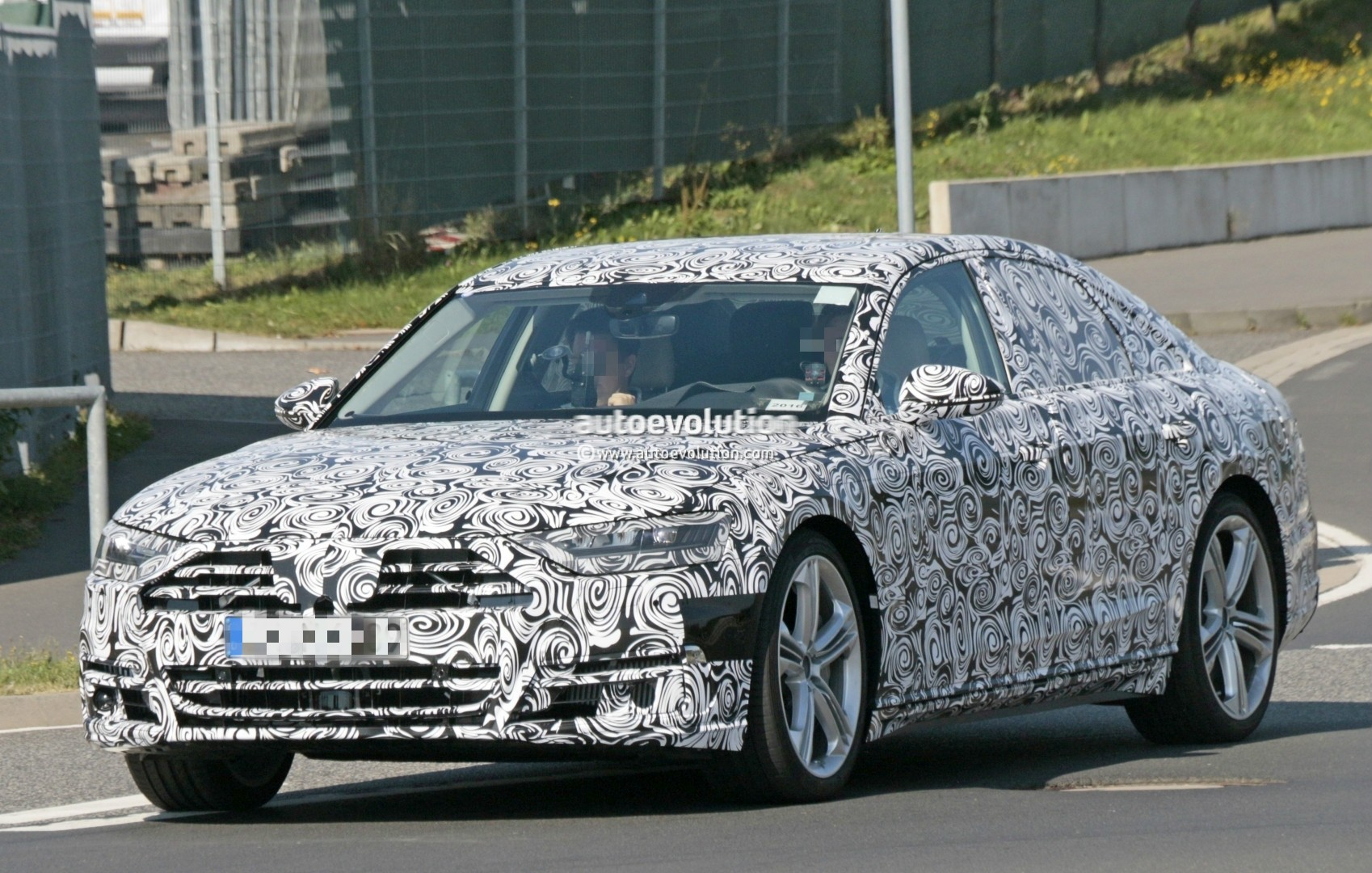 2017 - [Audi] A8 [D5] - Page 4 2018-audi-s8-pre-production-prototype-displays-massive-firepower-at-nurburgring_1