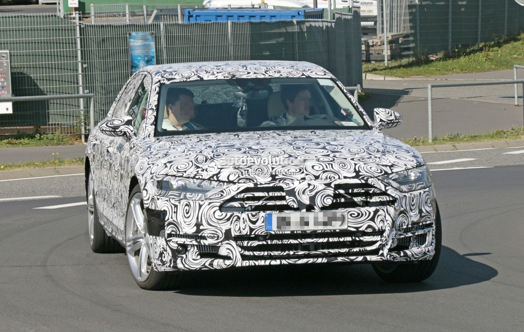 2017 - [Audi] A8 [D5] - Page 4 2018-audi-s8-pre-production-prototype-displays-massive-firepower-at-nurburgring_3