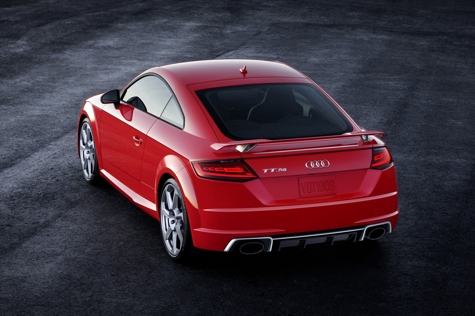 Audi Tt 0 60 >> 2018 Audi Tt Rs Costs 64 900 Does 0 60 In 3 6 Seconds Autoevolution