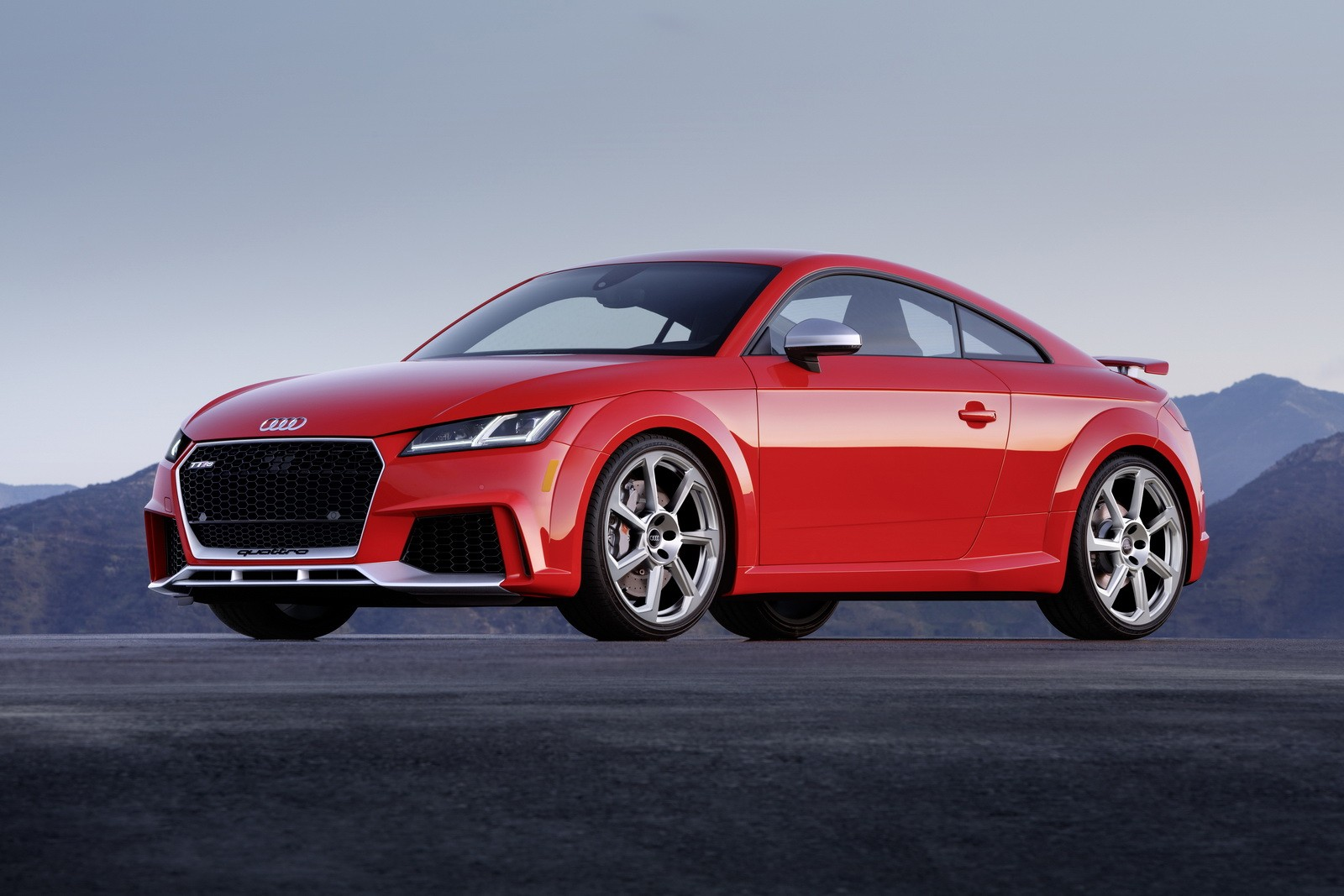 2018 audi tt rs costs 64 900 does 0 60 in 3 6 seconds autoevolution. Black Bedroom Furniture Sets. Home Design Ideas