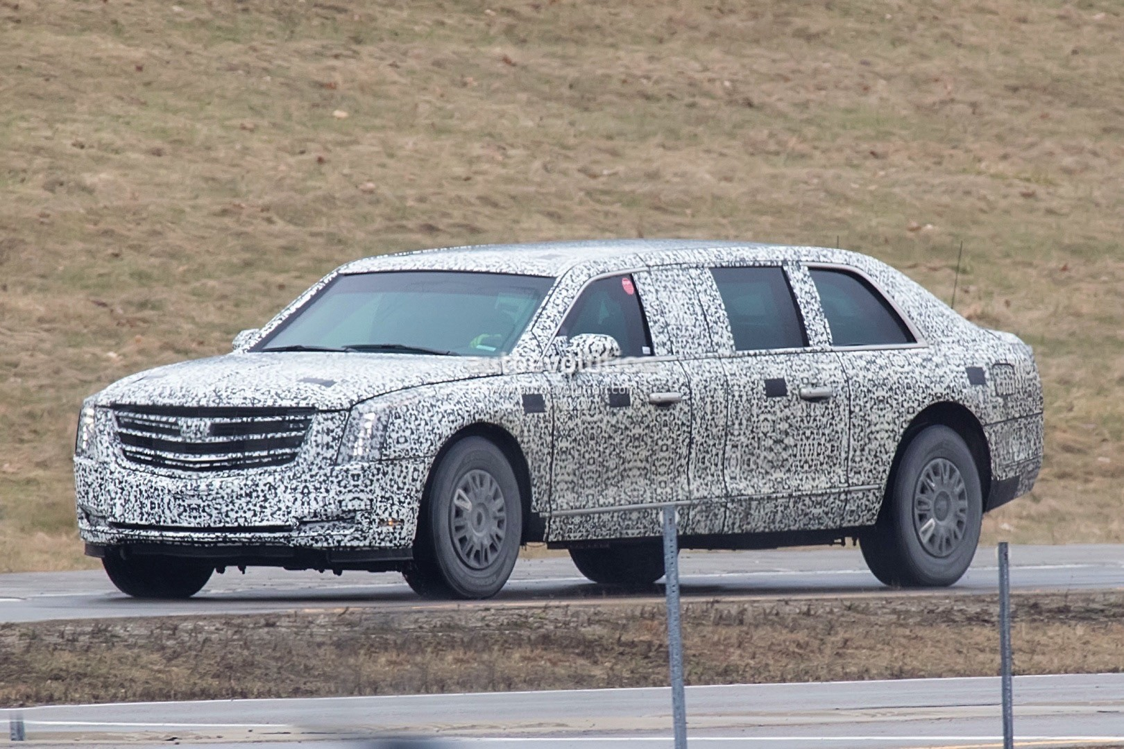 2018 beast 2 0 presidential limo spied looks absolutely. Black Bedroom Furniture Sets. Home Design Ideas