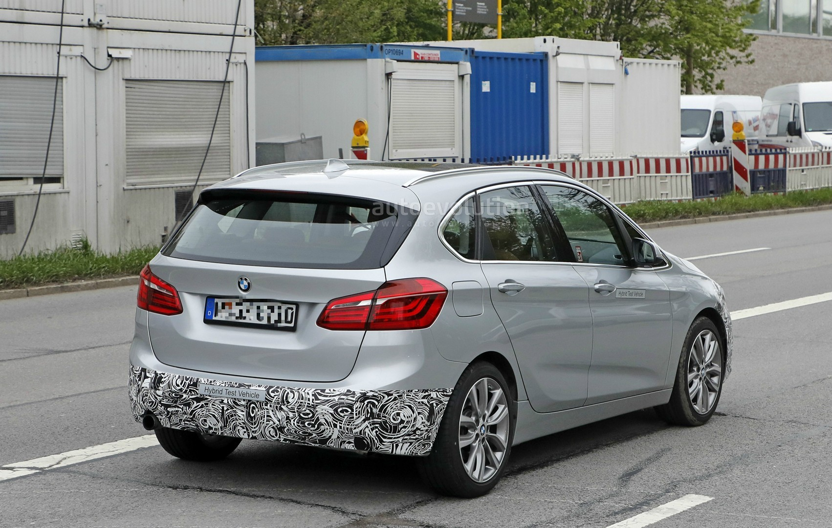 2018 - [BMW] Série 2 Active Tourer restylé  2018-bmw-2-series-active-tourer-spied-with-cool-new-headlights_7