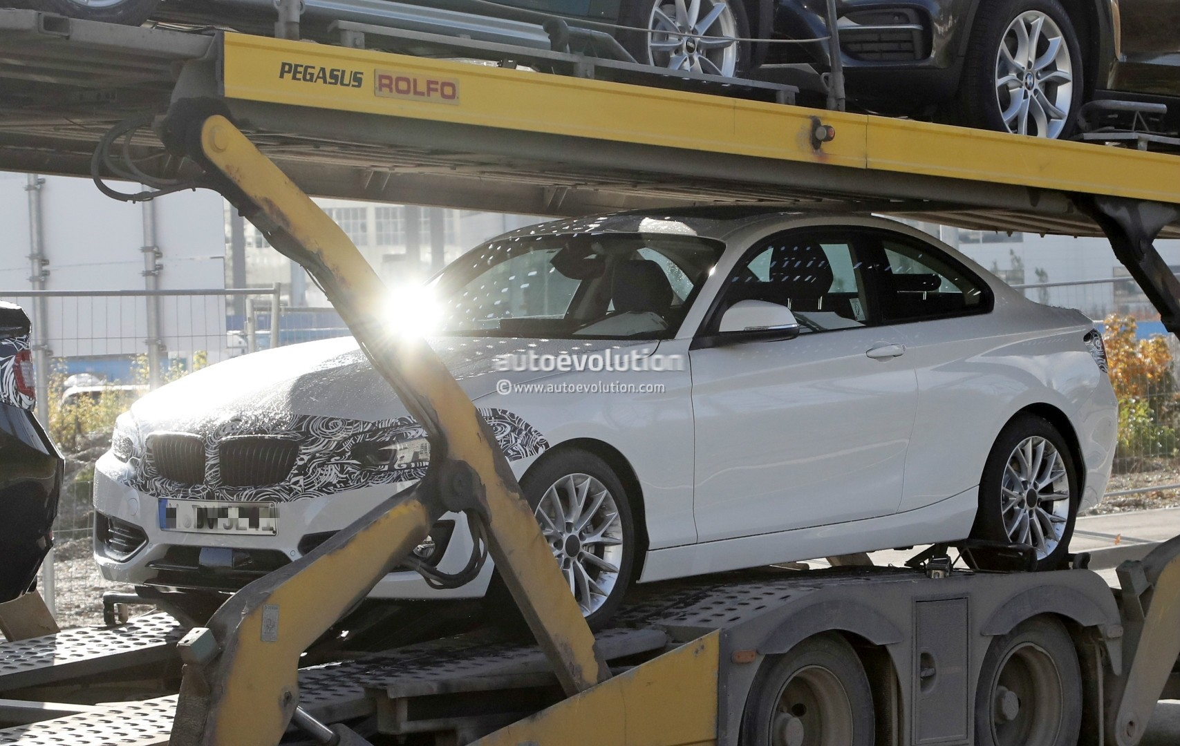 2018 bmw 240i. modren 2018 2018 bmw 2 series facelift spied  in bmw 240i