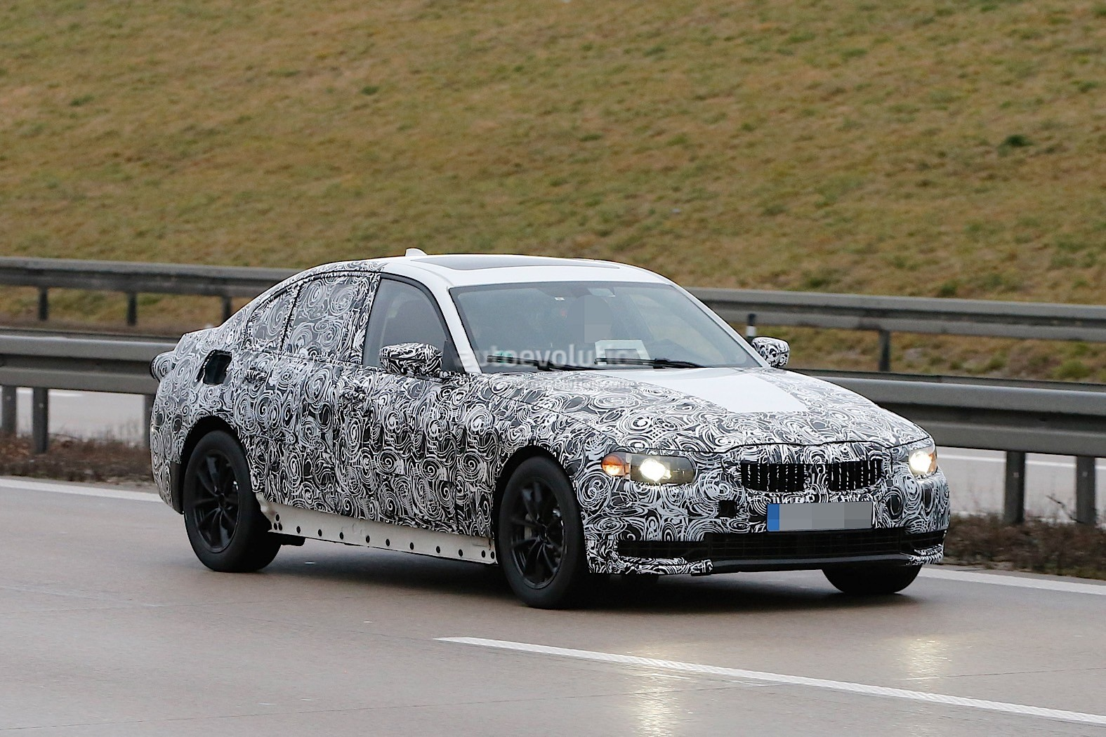 2018 bmw 3 series mule makes spy photo debut autoevolution. Black Bedroom Furniture Sets. Home Design Ideas