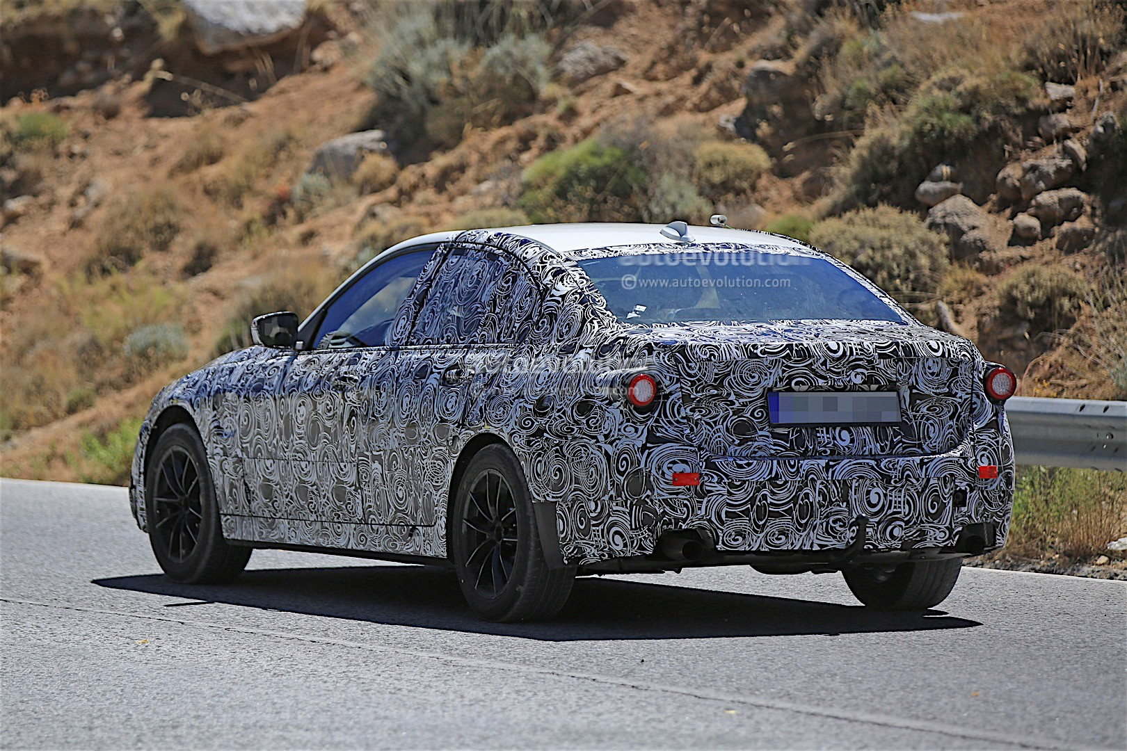 2018 bmw 3 series prototype gets spied again reveals new details autoevolution. Black Bedroom Furniture Sets. Home Design Ideas
