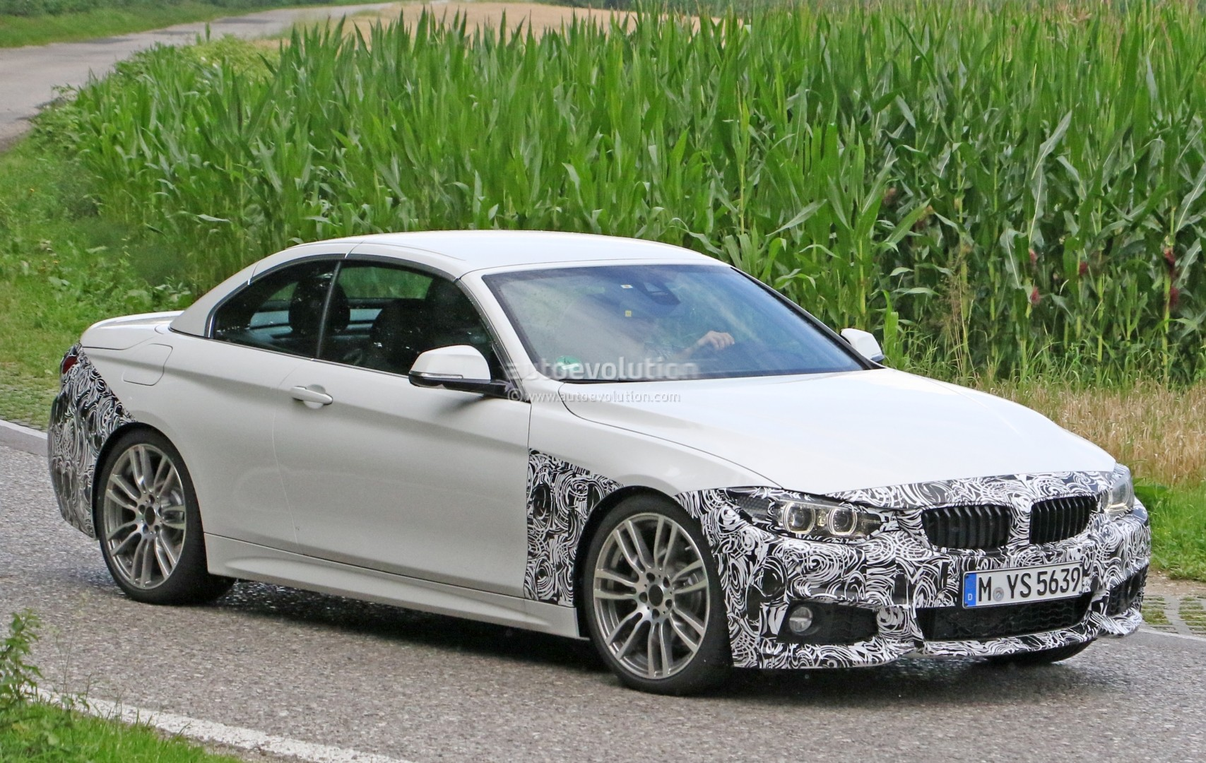 2018-bmw-4​-series-co​nvertible-​makes-spys​hot-debut_​2