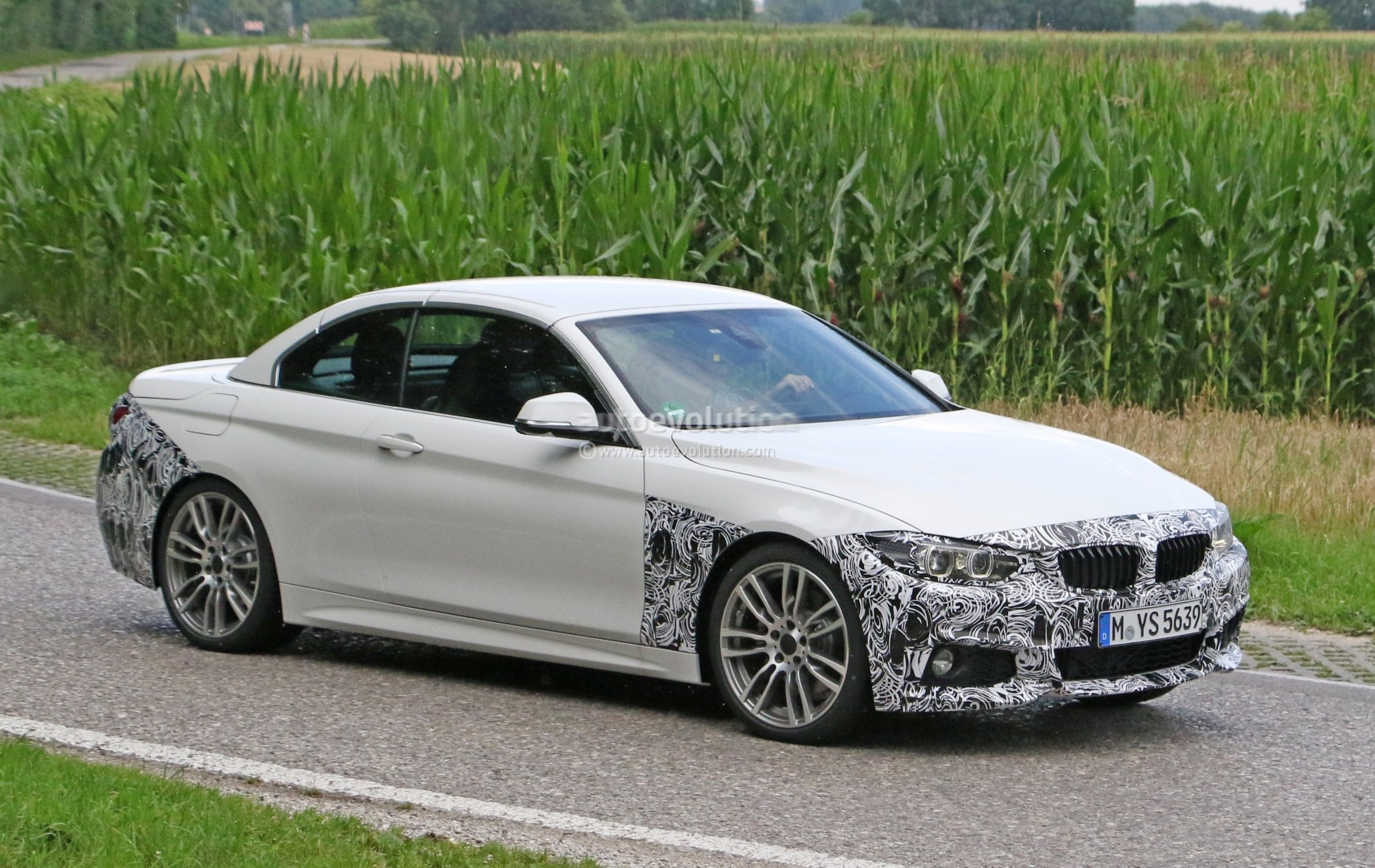 2018-bmw-4​-series-co​nvertible-​makes-spys​hot-debut_​3