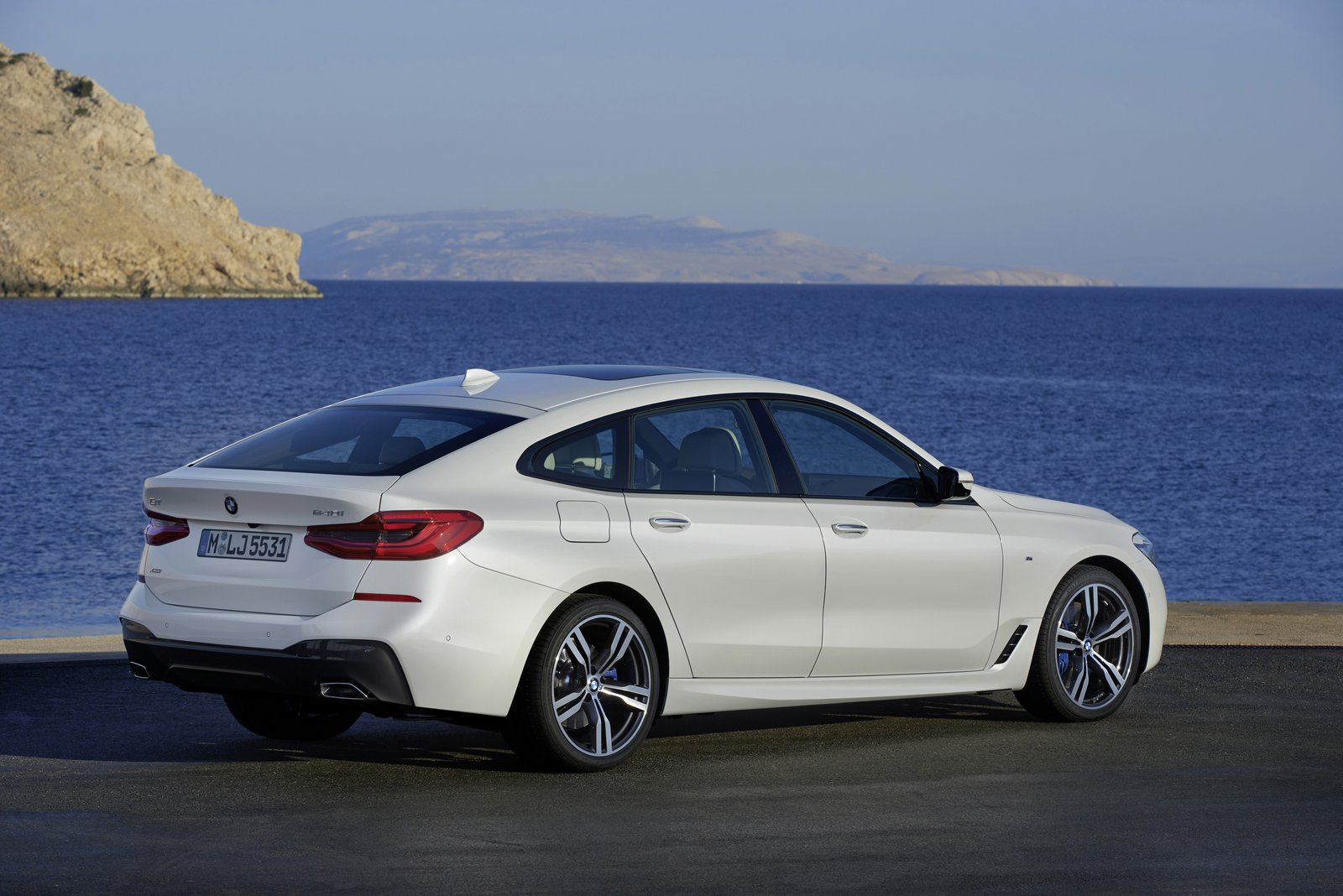 2018 bmw 6 series gran turismo officially debuts 640i gt. Black Bedroom Furniture Sets. Home Design Ideas