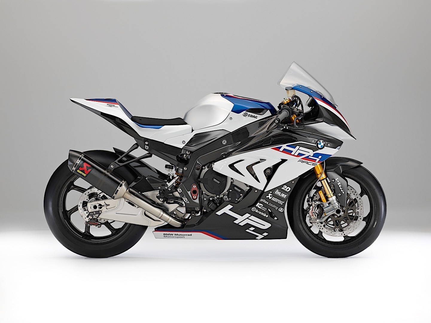 fully carbon fiber 2018 bmw hp4 race u s price and specs revealed autoevolution. Black Bedroom Furniture Sets. Home Design Ideas