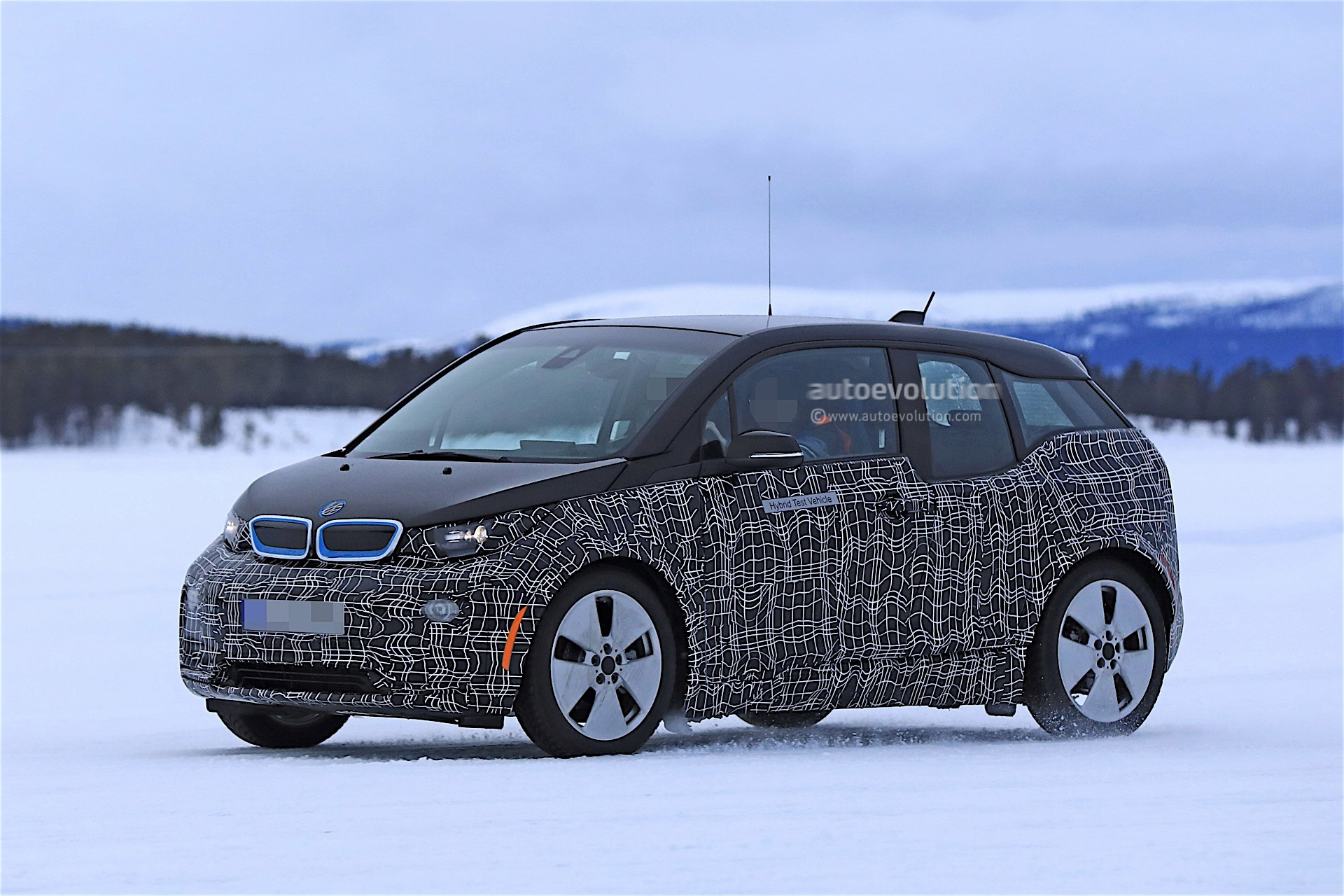 2018 Bmw I3 Facelift Spied Winter Testing With Range
