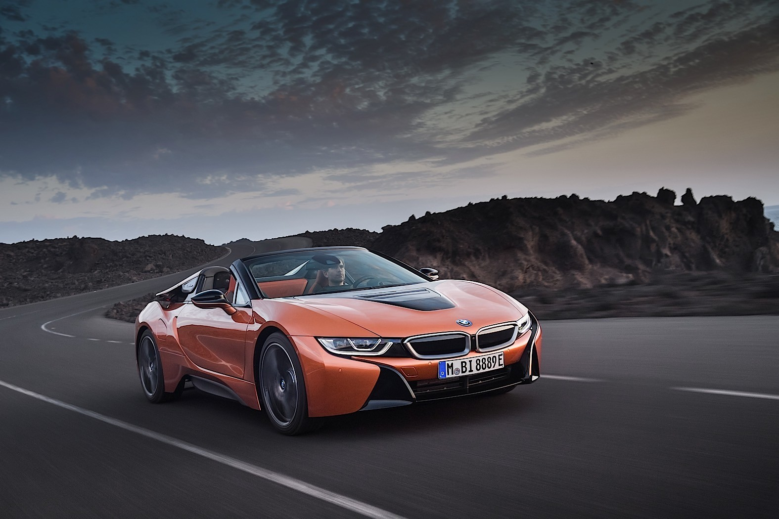 2018 BMW i8 Coupe Gets a Roadster Brother and More ...