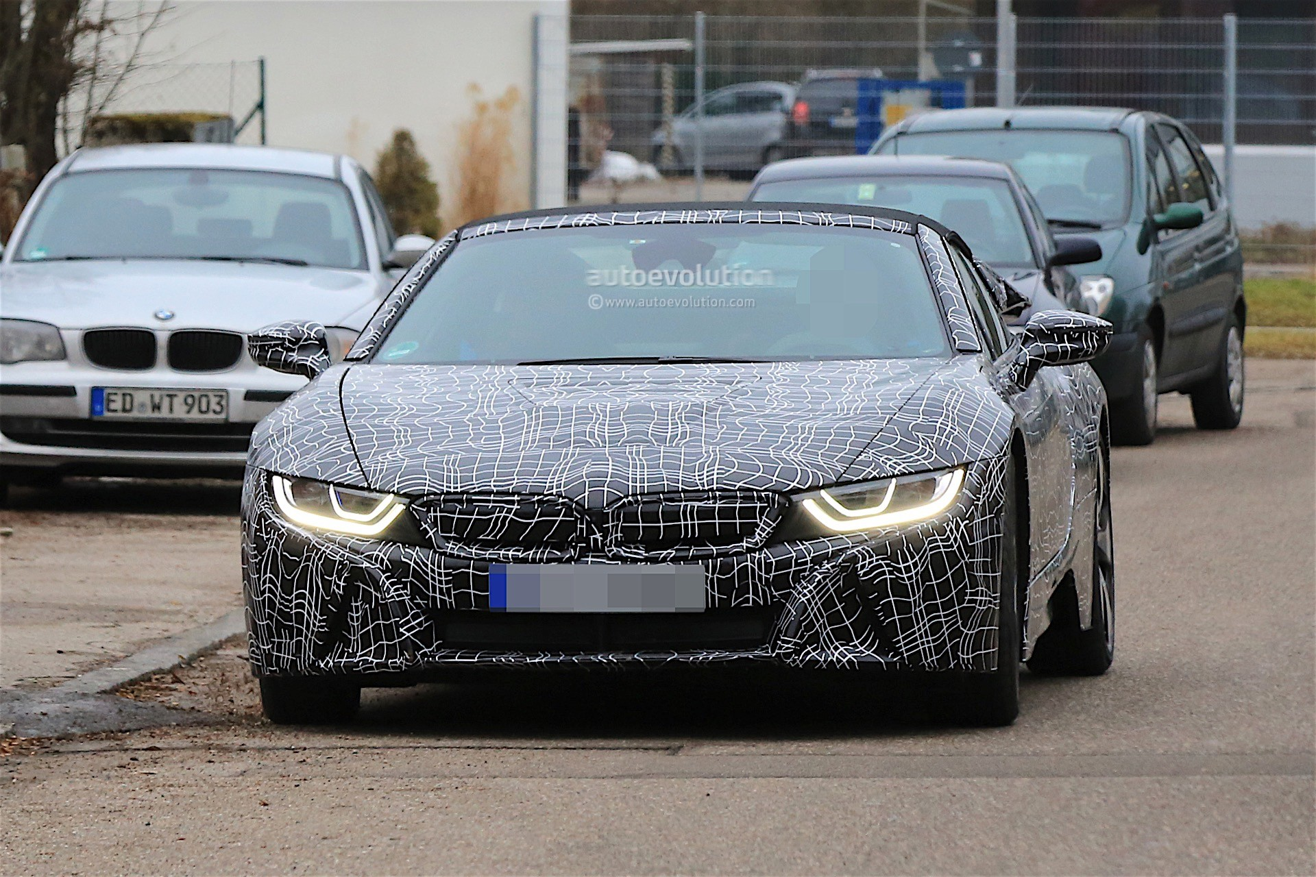2018 BMW i8 Spyder Prototype Spied, Everything Looks Ready ...