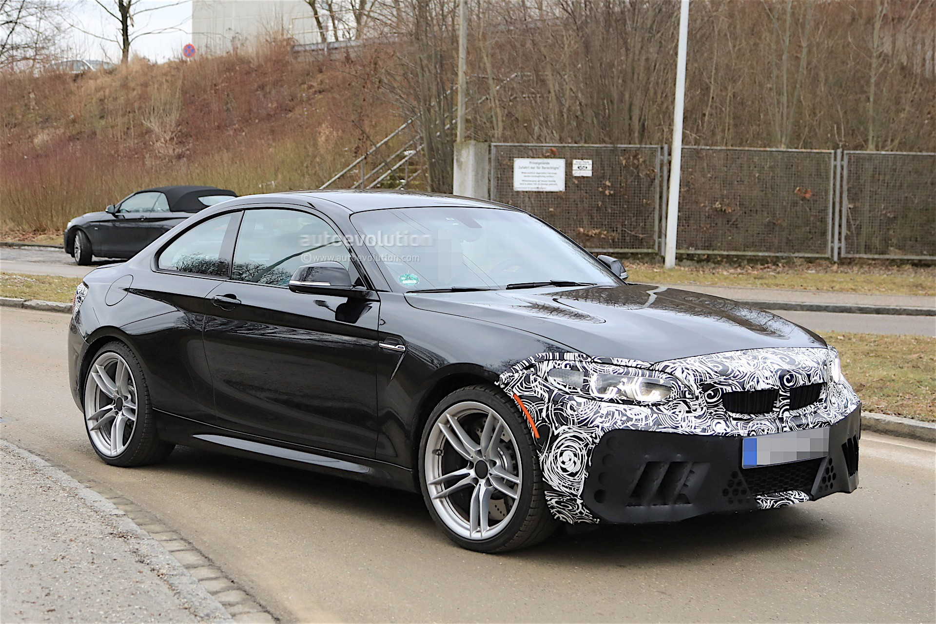 2018 bmw m2 facelift spotted almost uncovered looks as good as ever autoevolution. Black Bedroom Furniture Sets. Home Design Ideas